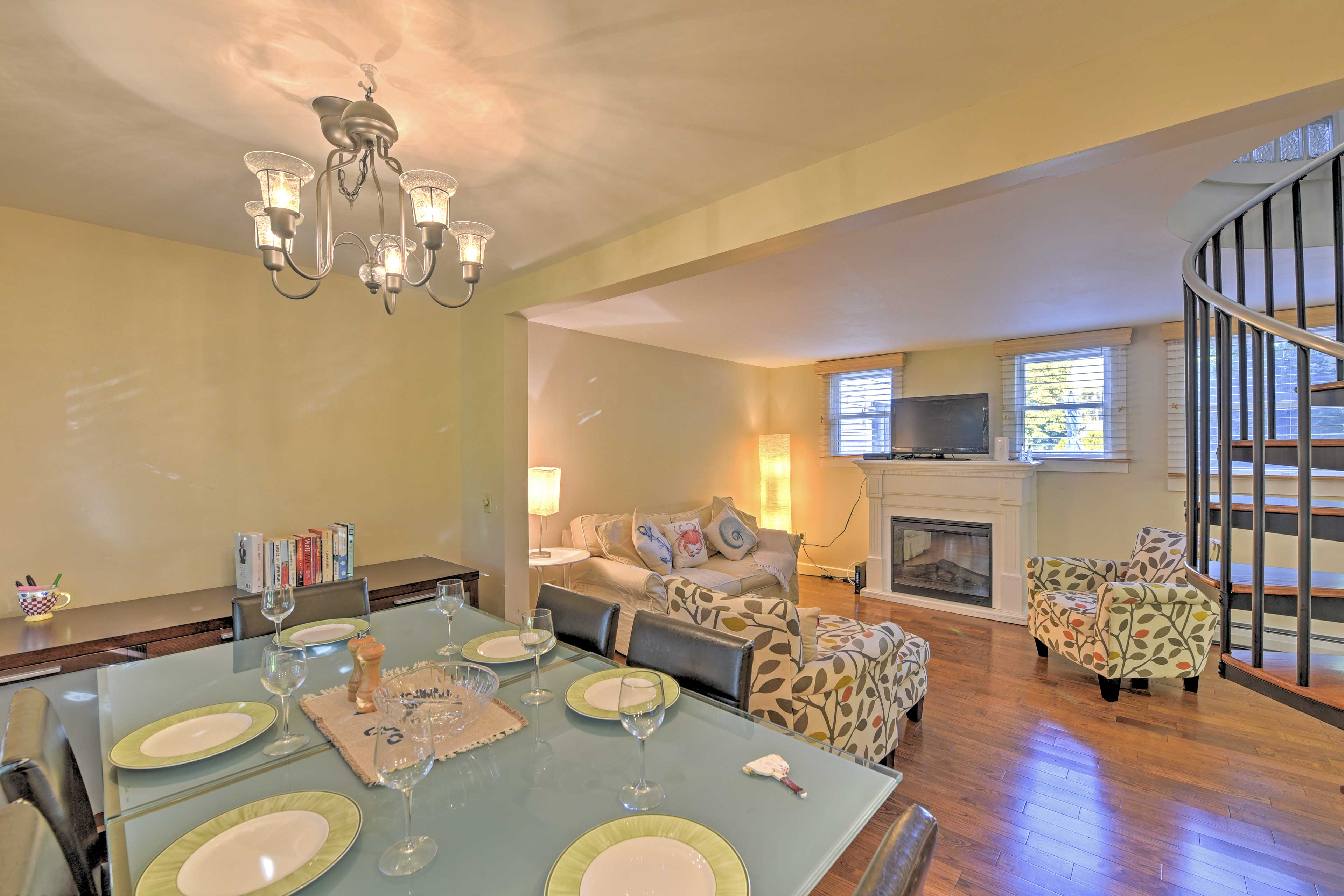Discover Cape Cod from this Provincetown 2-bed, 1.5 bath vacation rental condo.