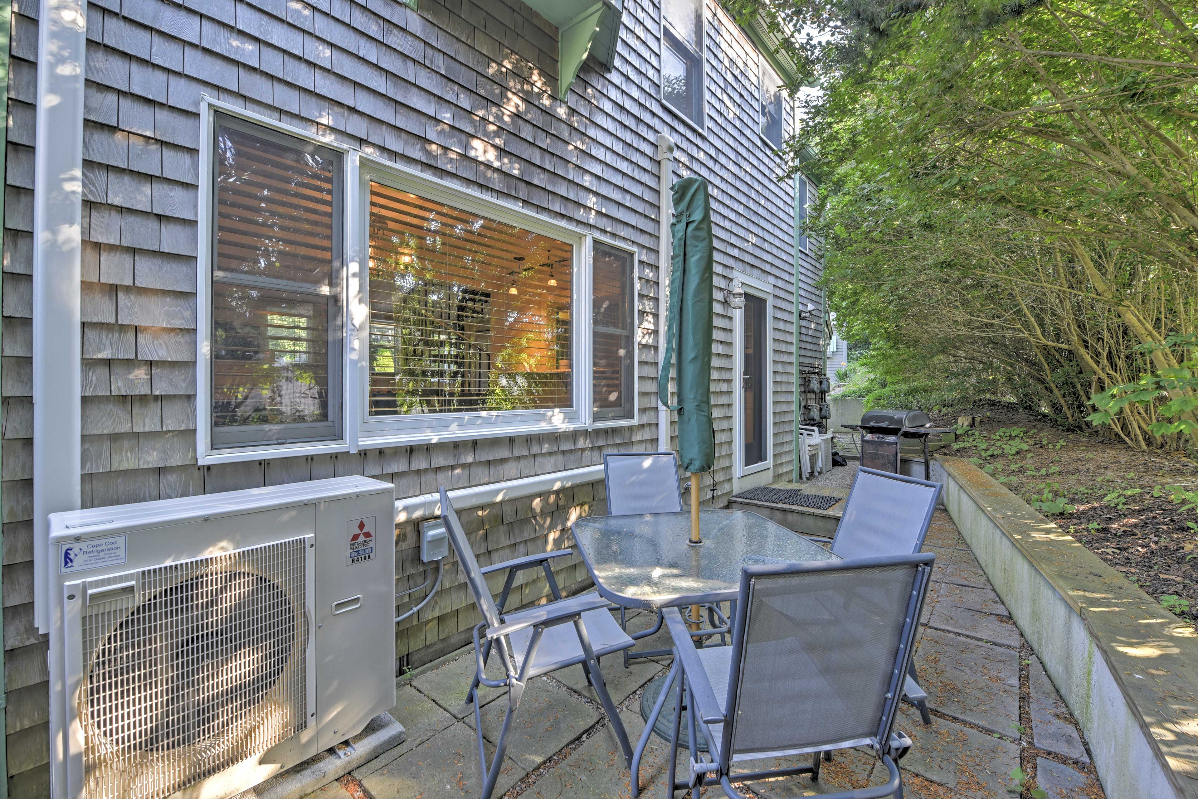Make the most of your Cape Cod vacation at this cozy condo.