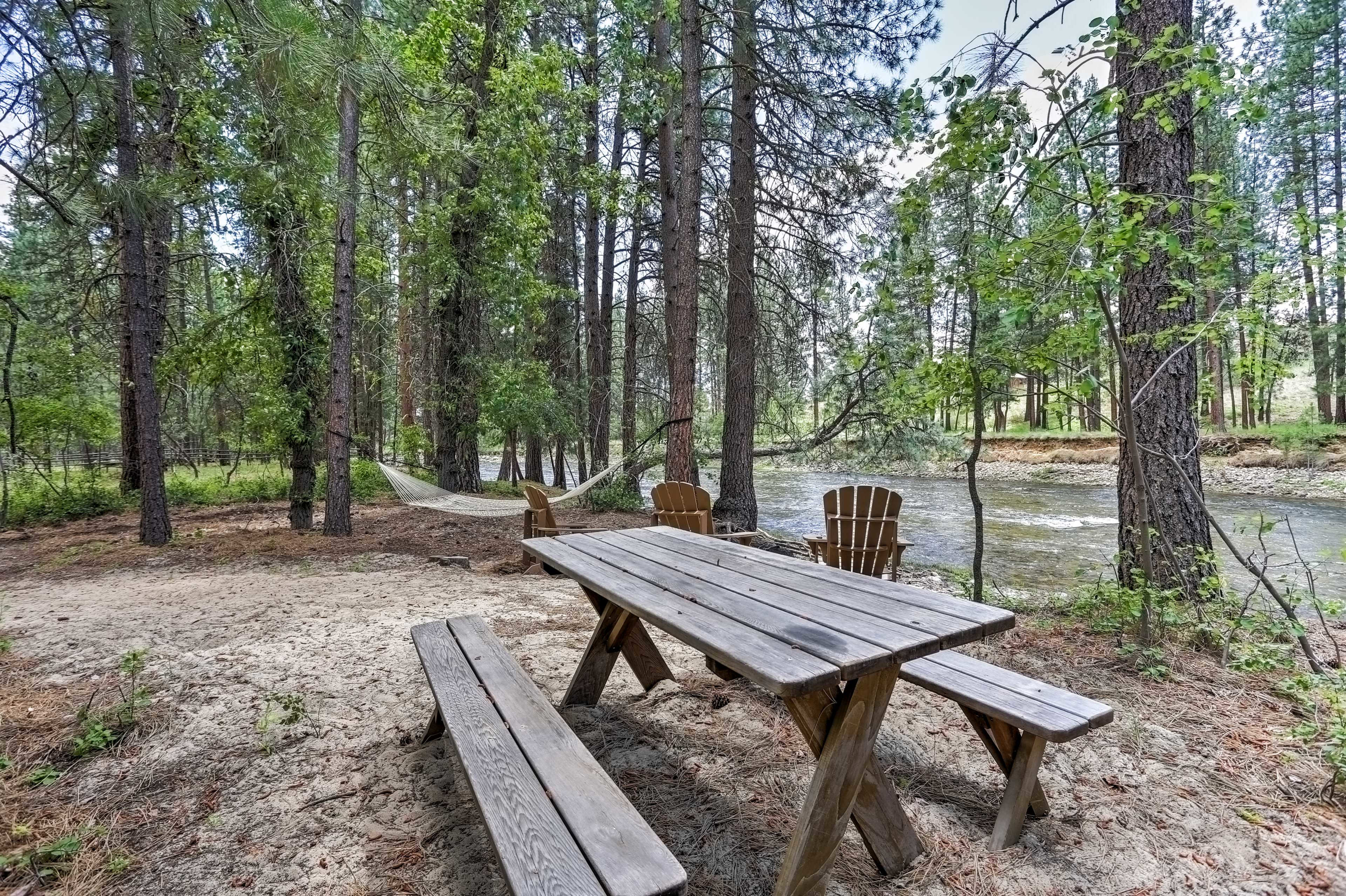 Enjoy a picnic, wildlife viewing or a simple cold beverage in the afternoon.
