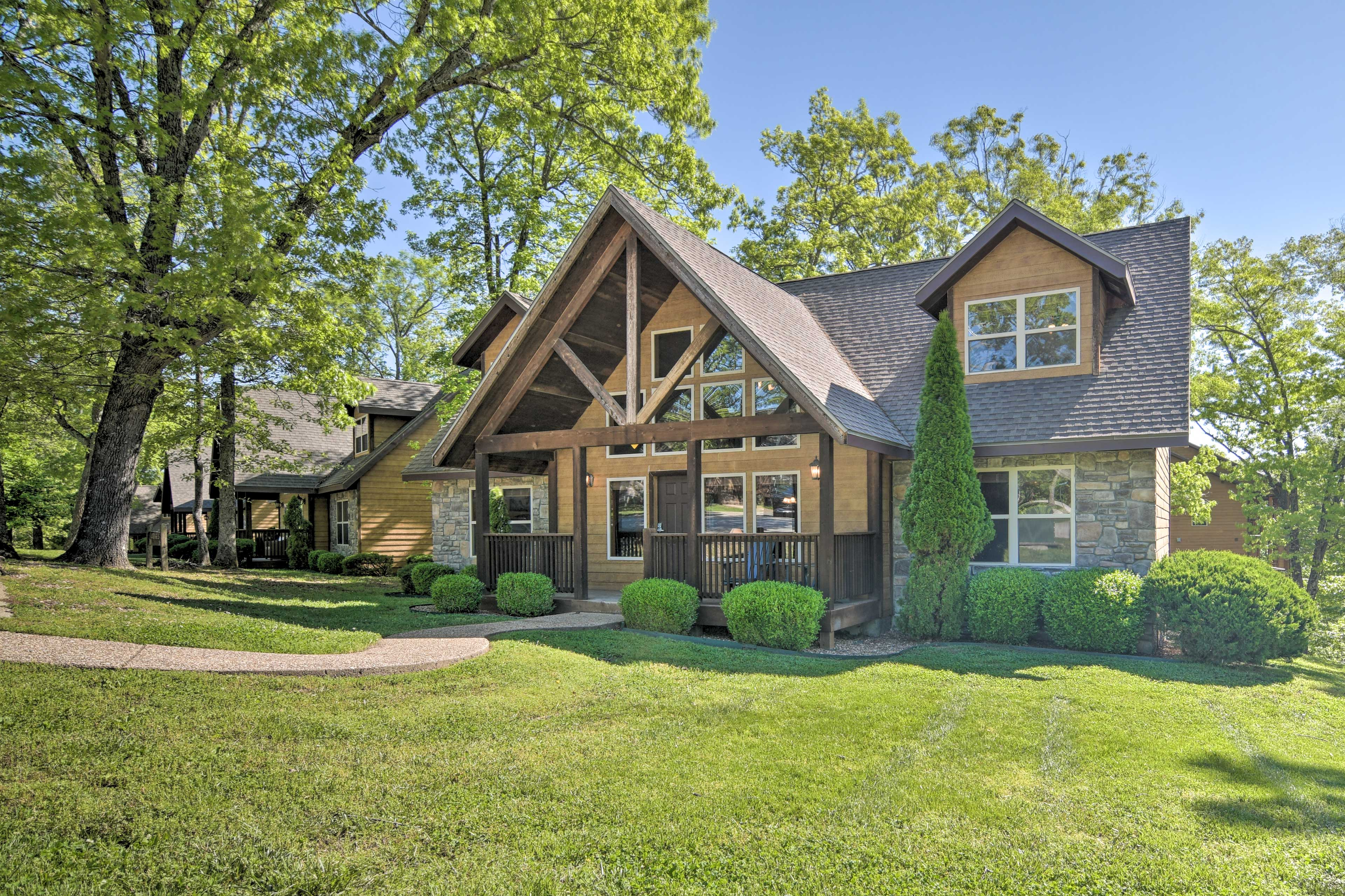 Branson Vacation Rental Home   4BR   4BA   3,200 Sq Ft   Step-Free Access