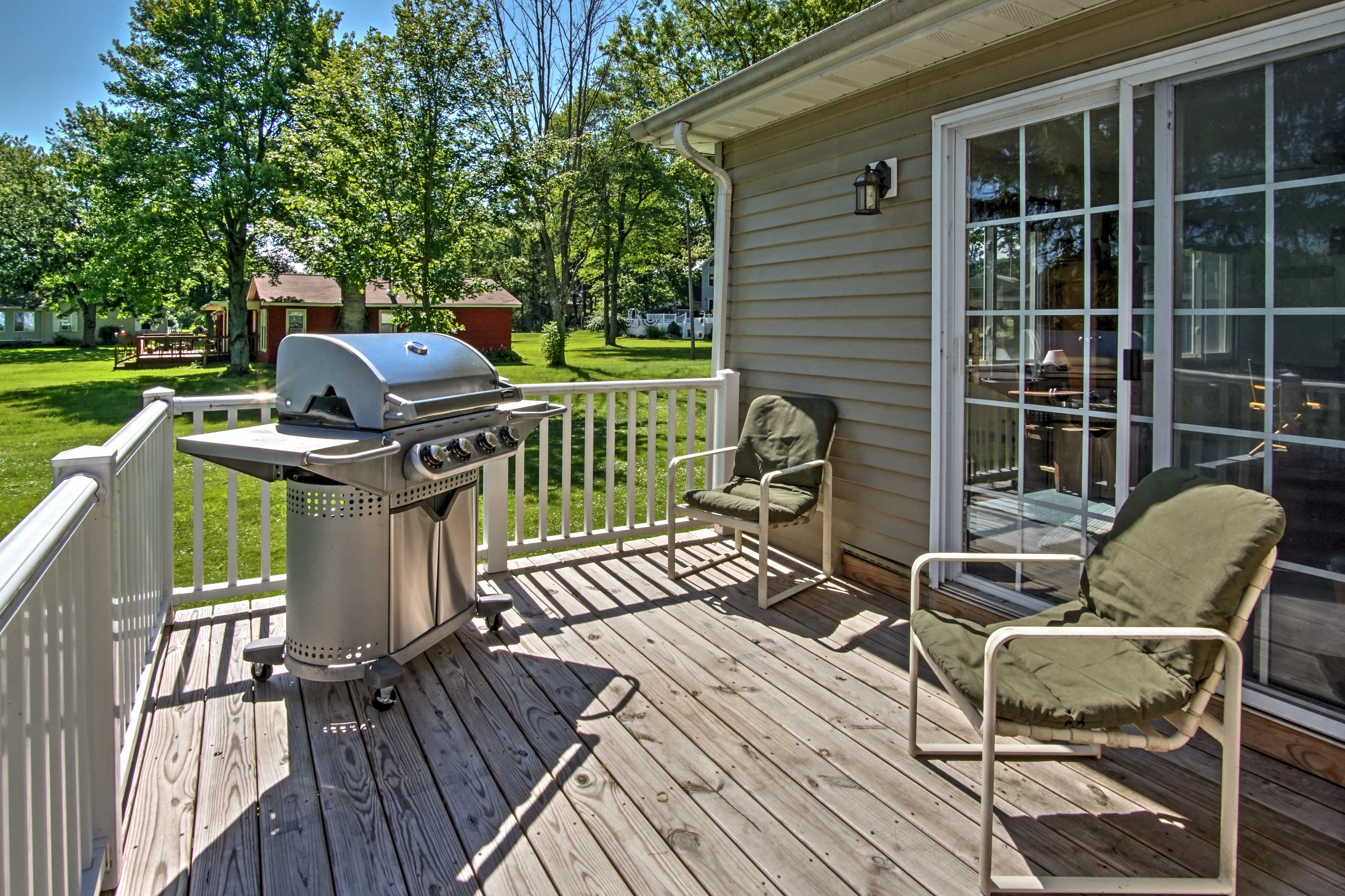 Add some smoky flavors to your vacation using the gas grill.