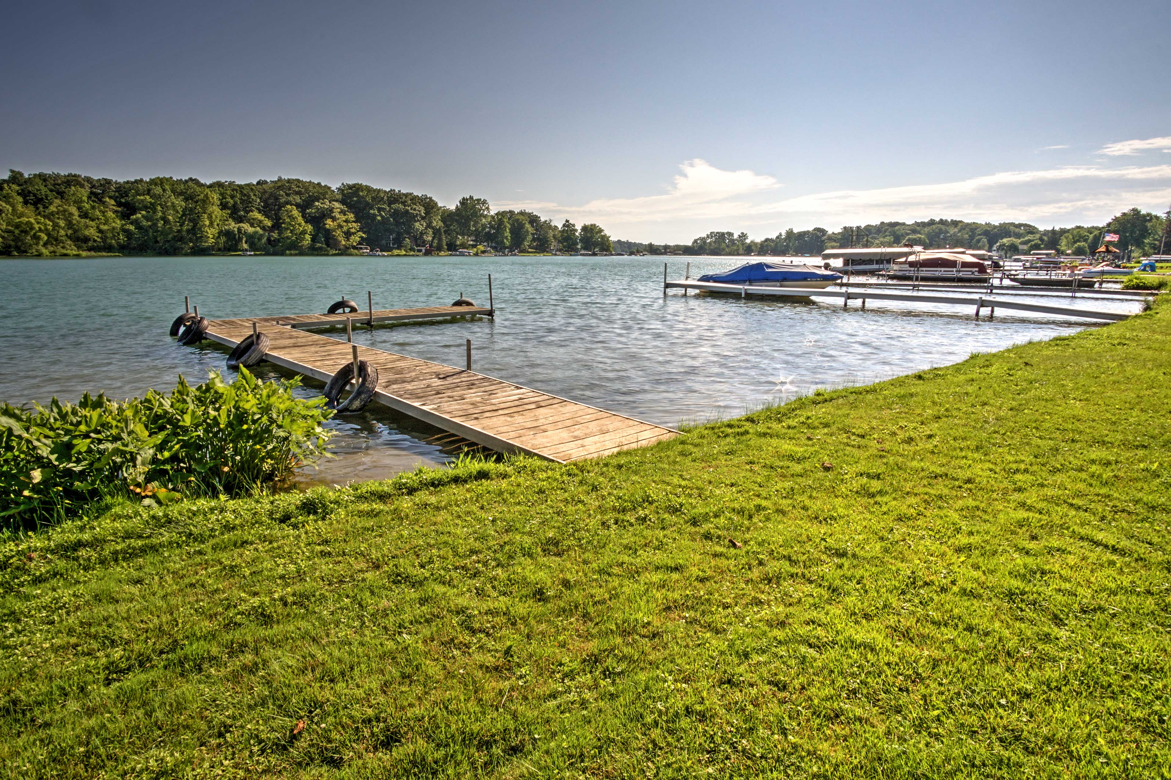 The home's waterfront location offers easy and unrestricted access to the lake!