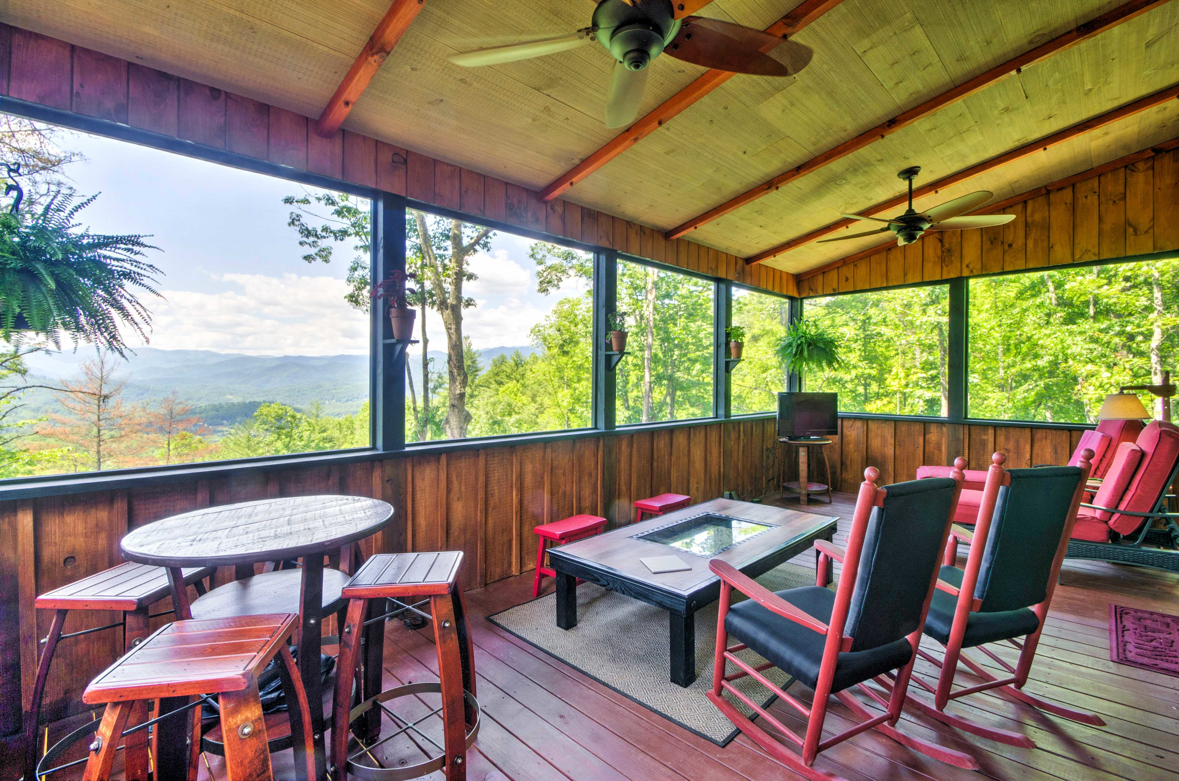 You'll love the stunning mountain views from the screened in porch.