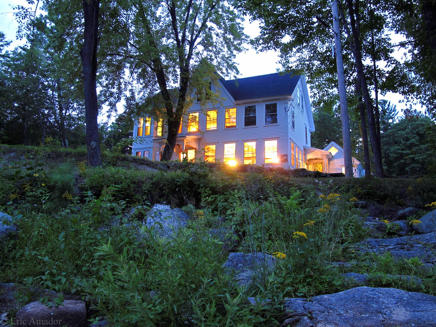 Have a memorable stay at this classic South Tamworth vacation rental house!