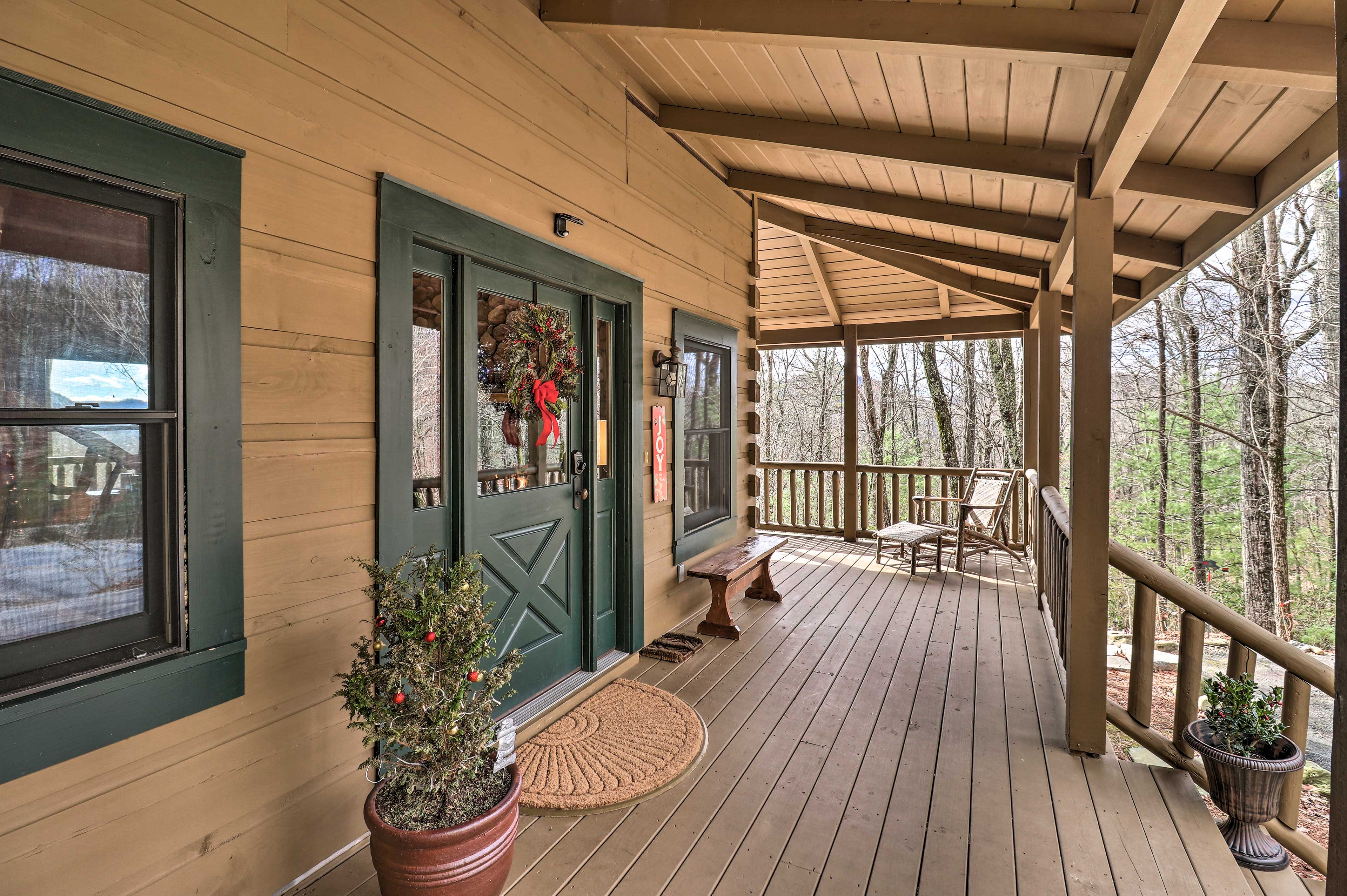 Front Porch | Outdoor Seating