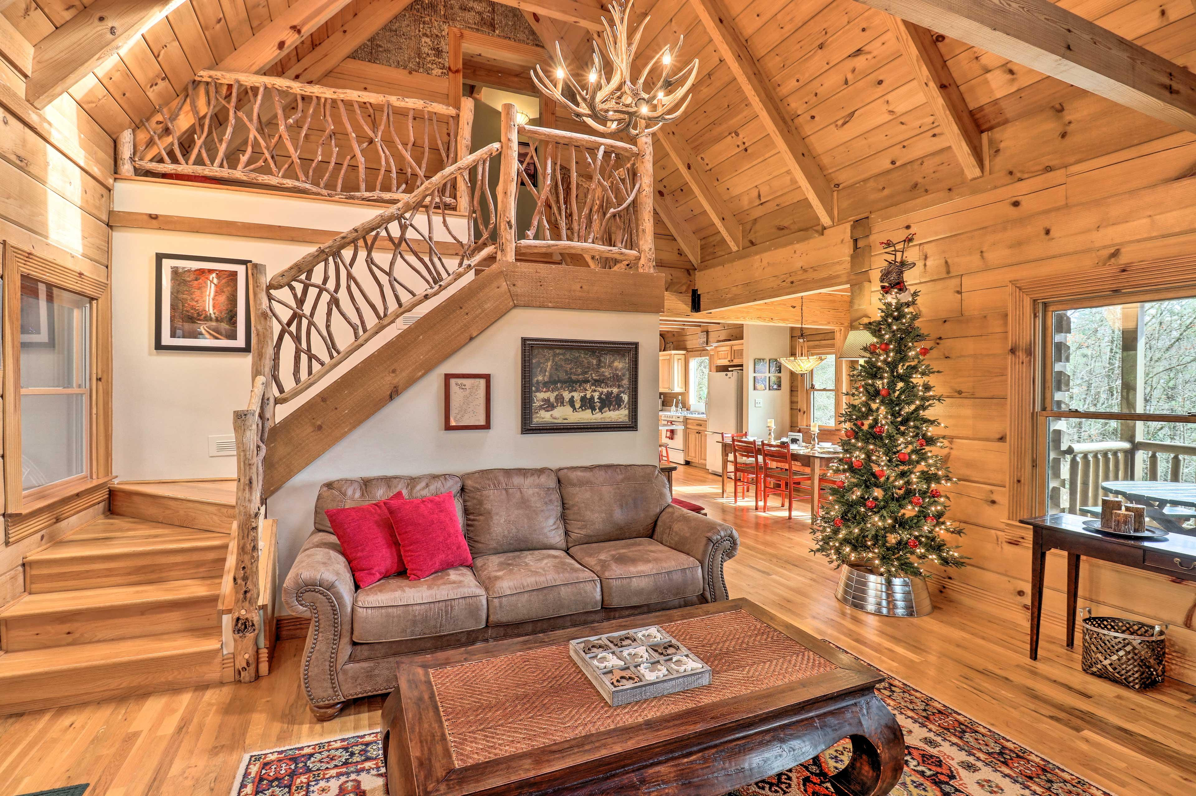 Living Room | Seasonal Decor | Dining Table