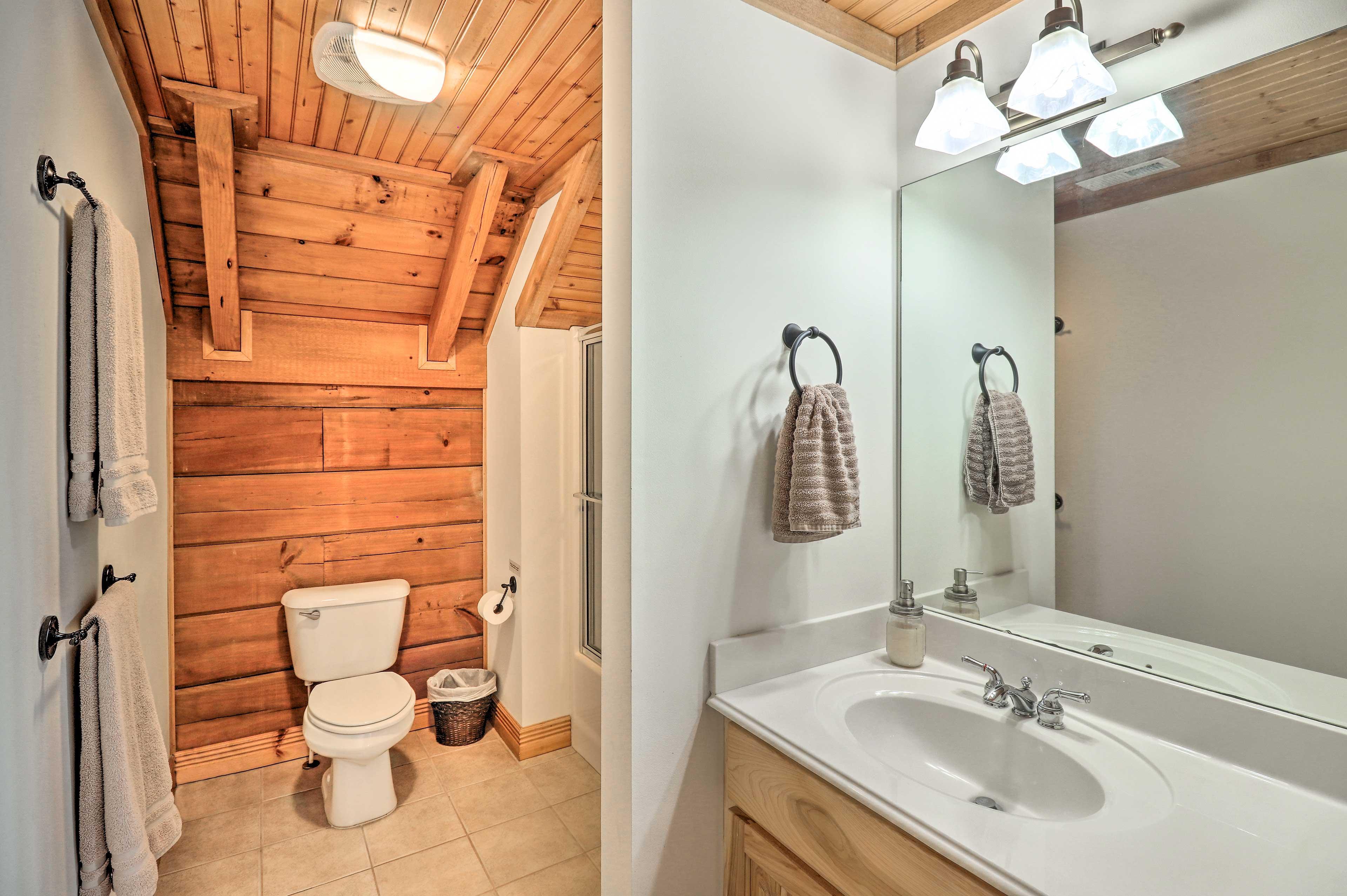 Full Bathroom 3