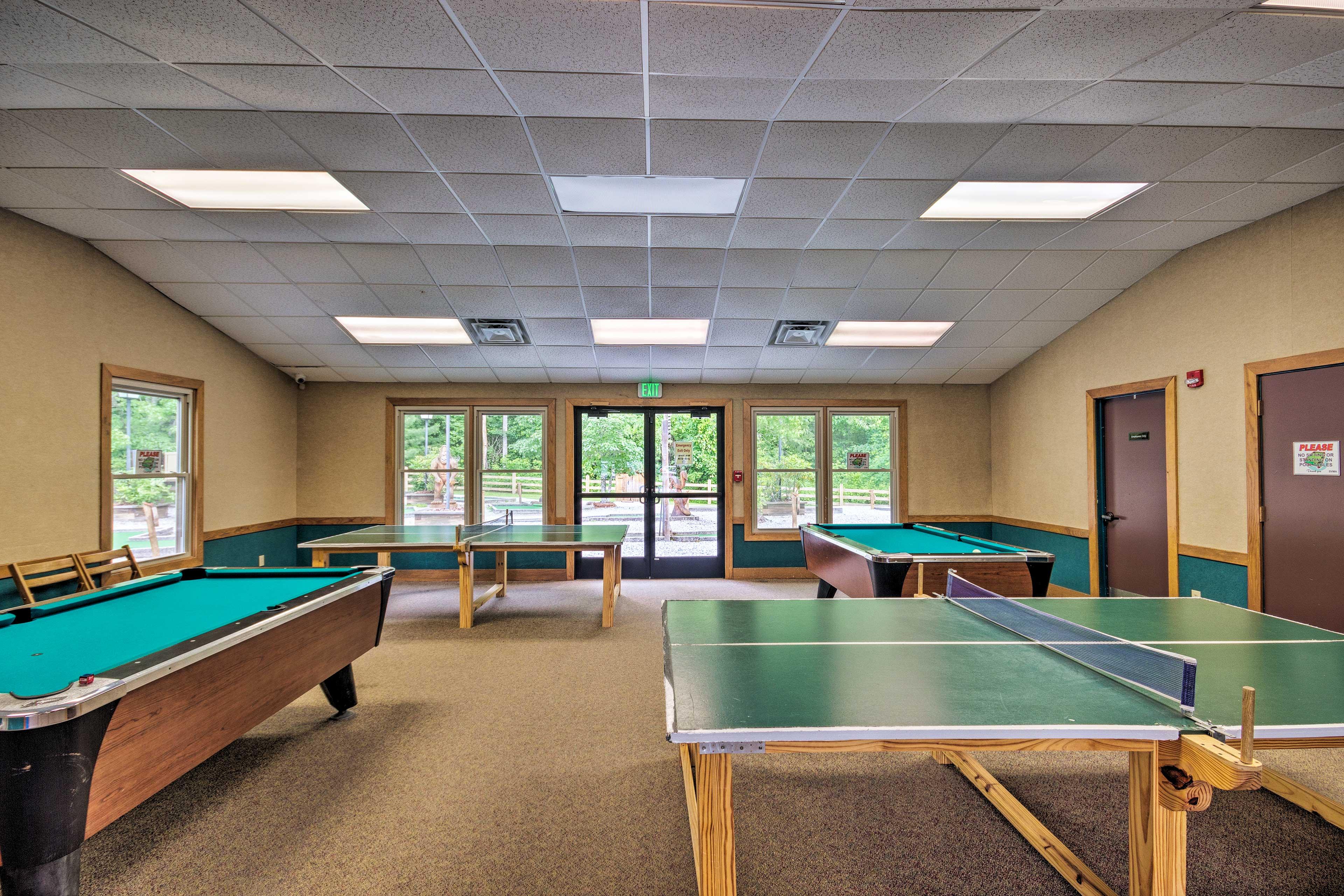 Resort Amenities (w/ Additional Fee) | Game Room