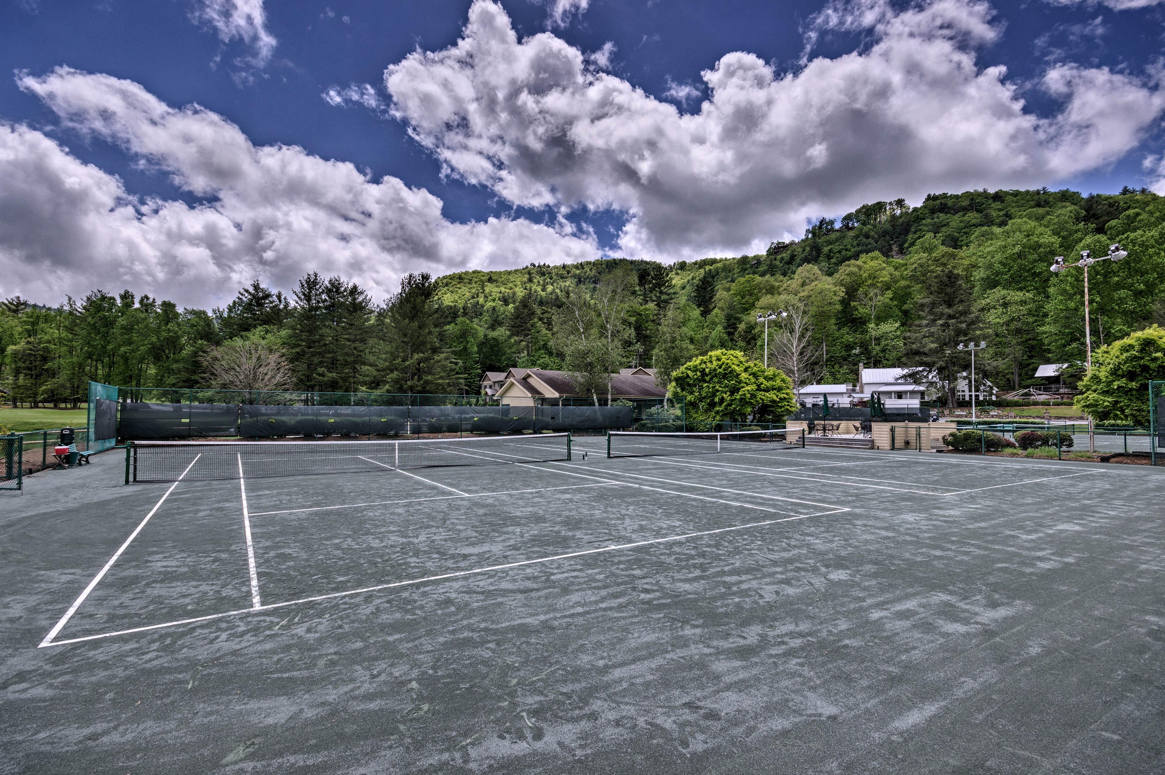 Resort Amenities (w/ Additional Fee) | Tennis