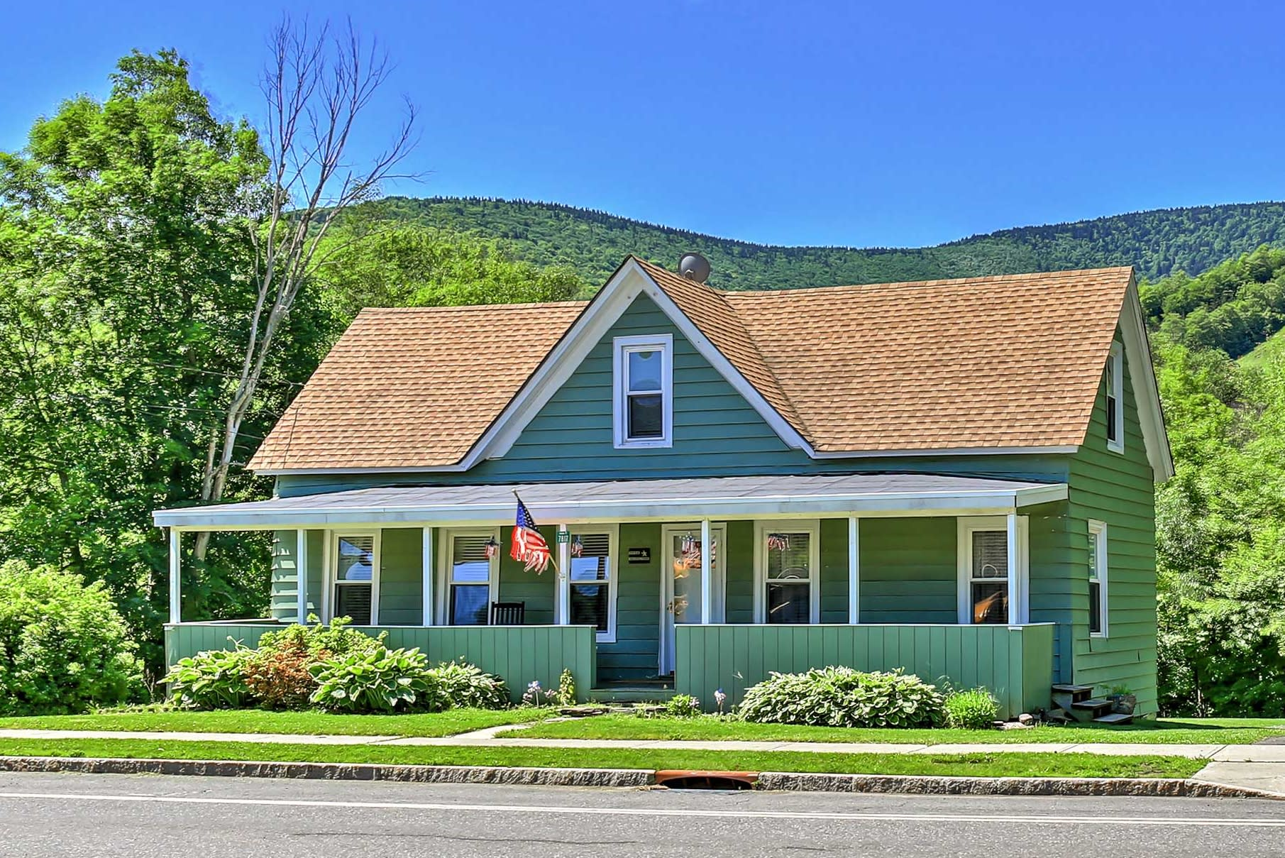Plan your next New York escape to this 5-bedroom, 2-bathroom vacation rental house in Hunter.