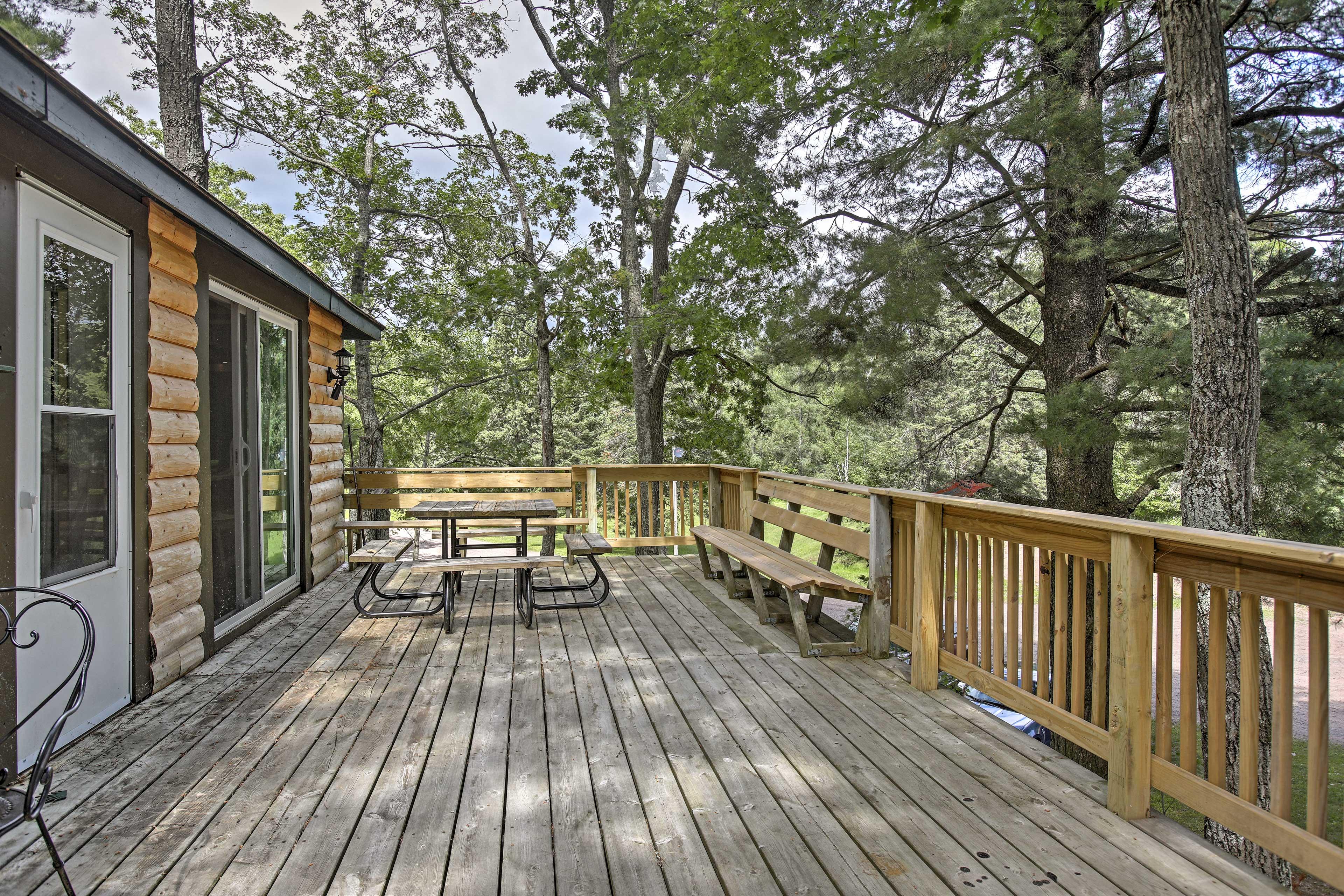 Cabin Exterior | On Grindstone Lake