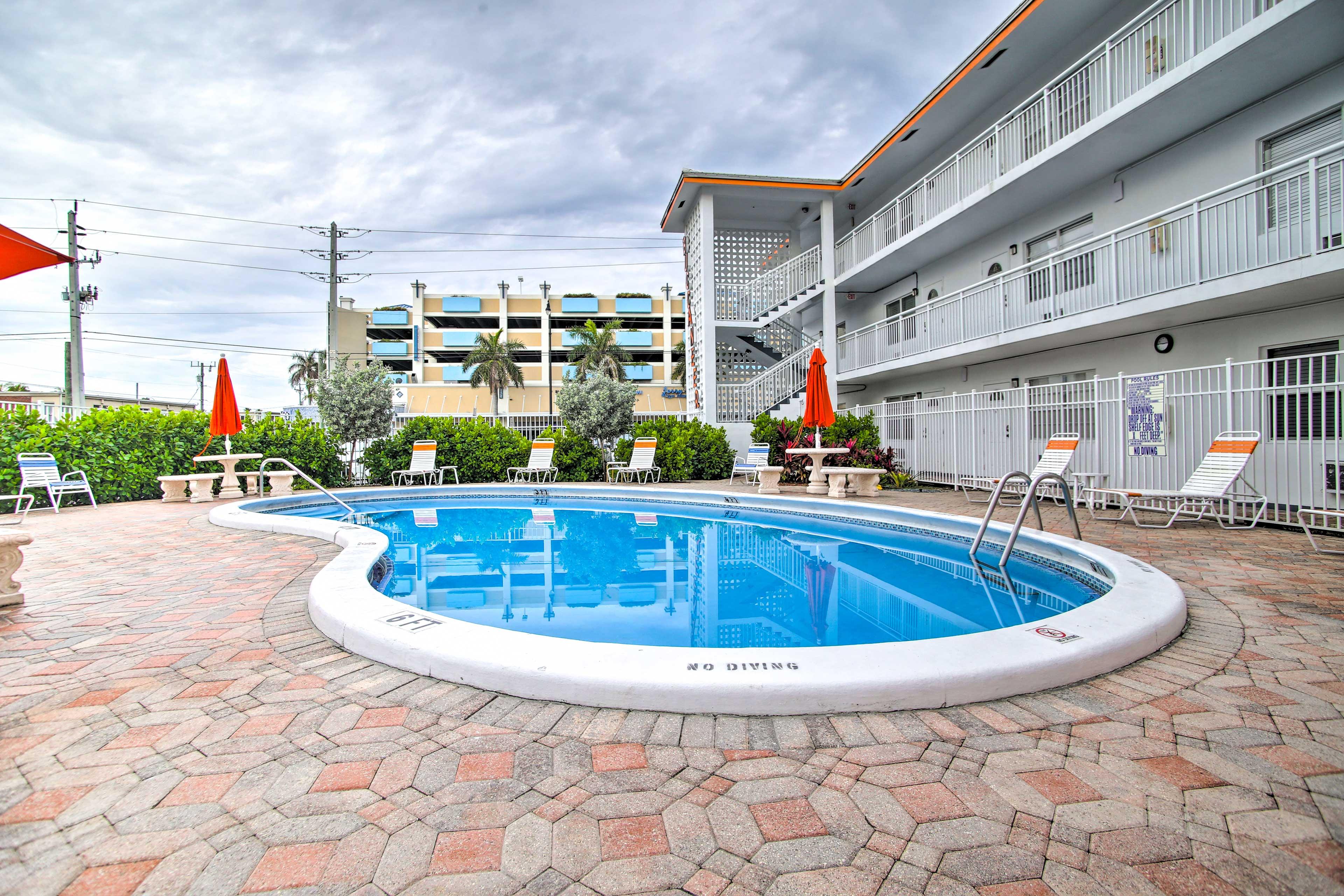 Deerfield Beach Vacation Rental Condo   1BR   1BA   400 Sq Ft   1st Floor