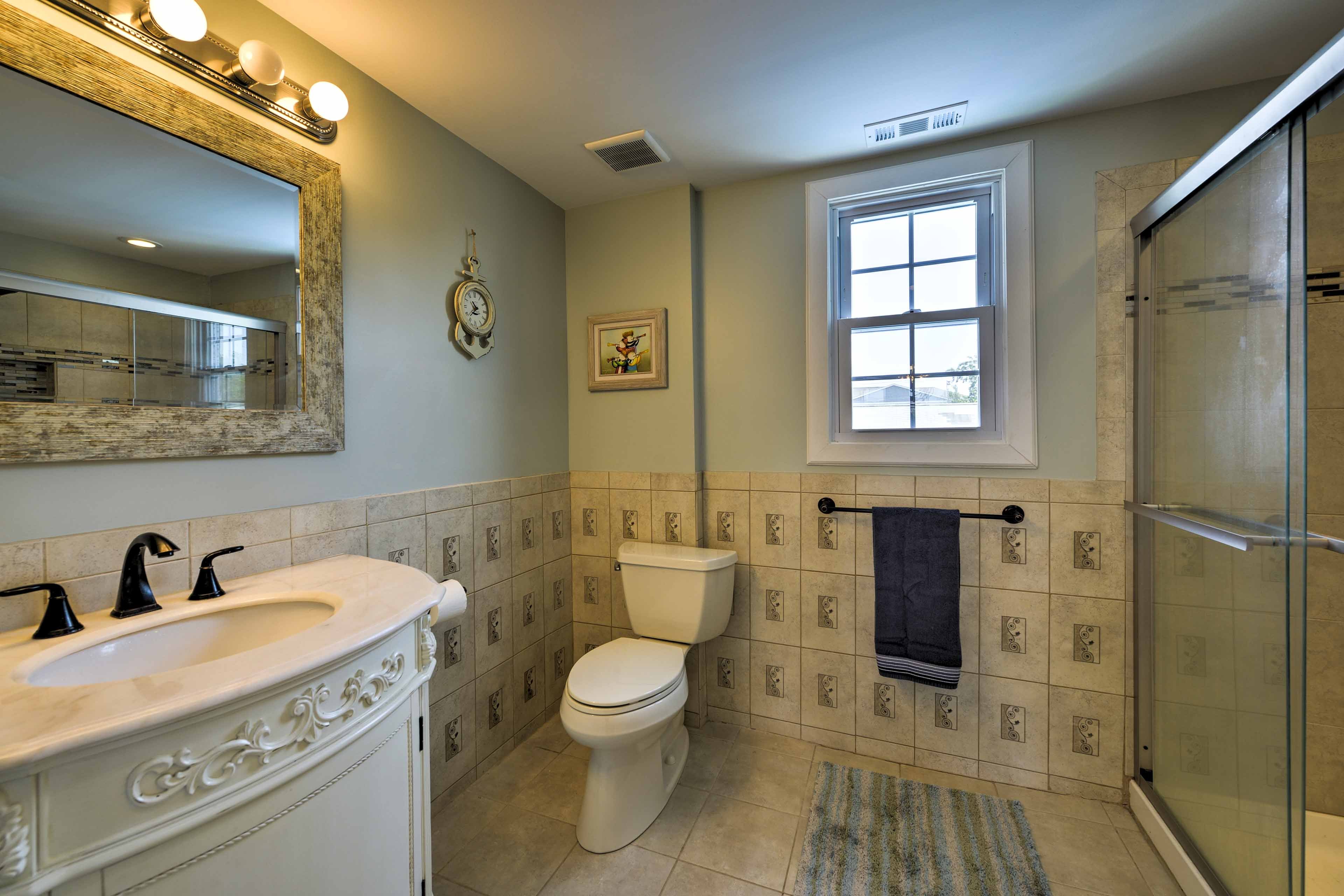 2 full bathrooms offer privacy for all guests.