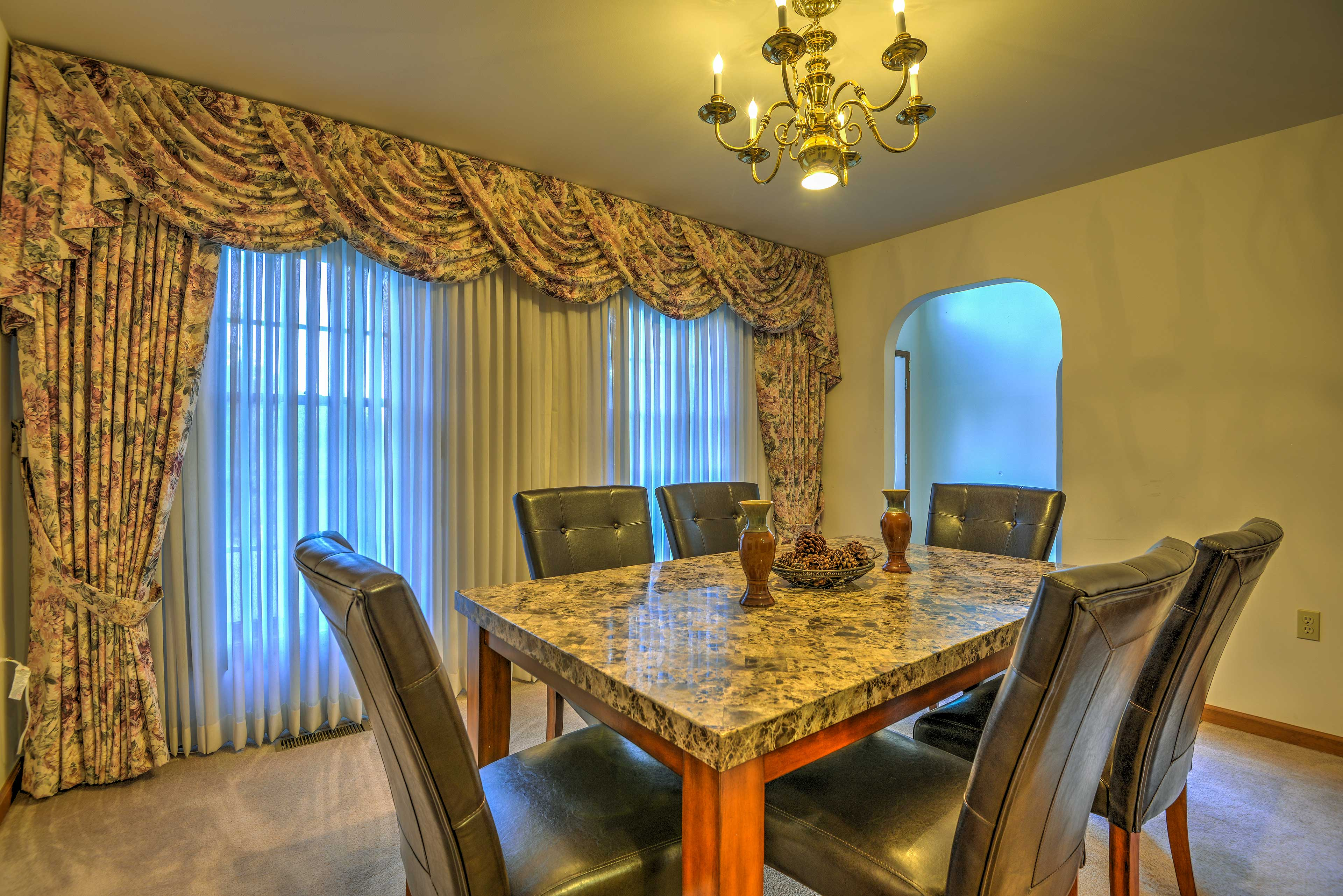 Formal Dining Room   Great For Families