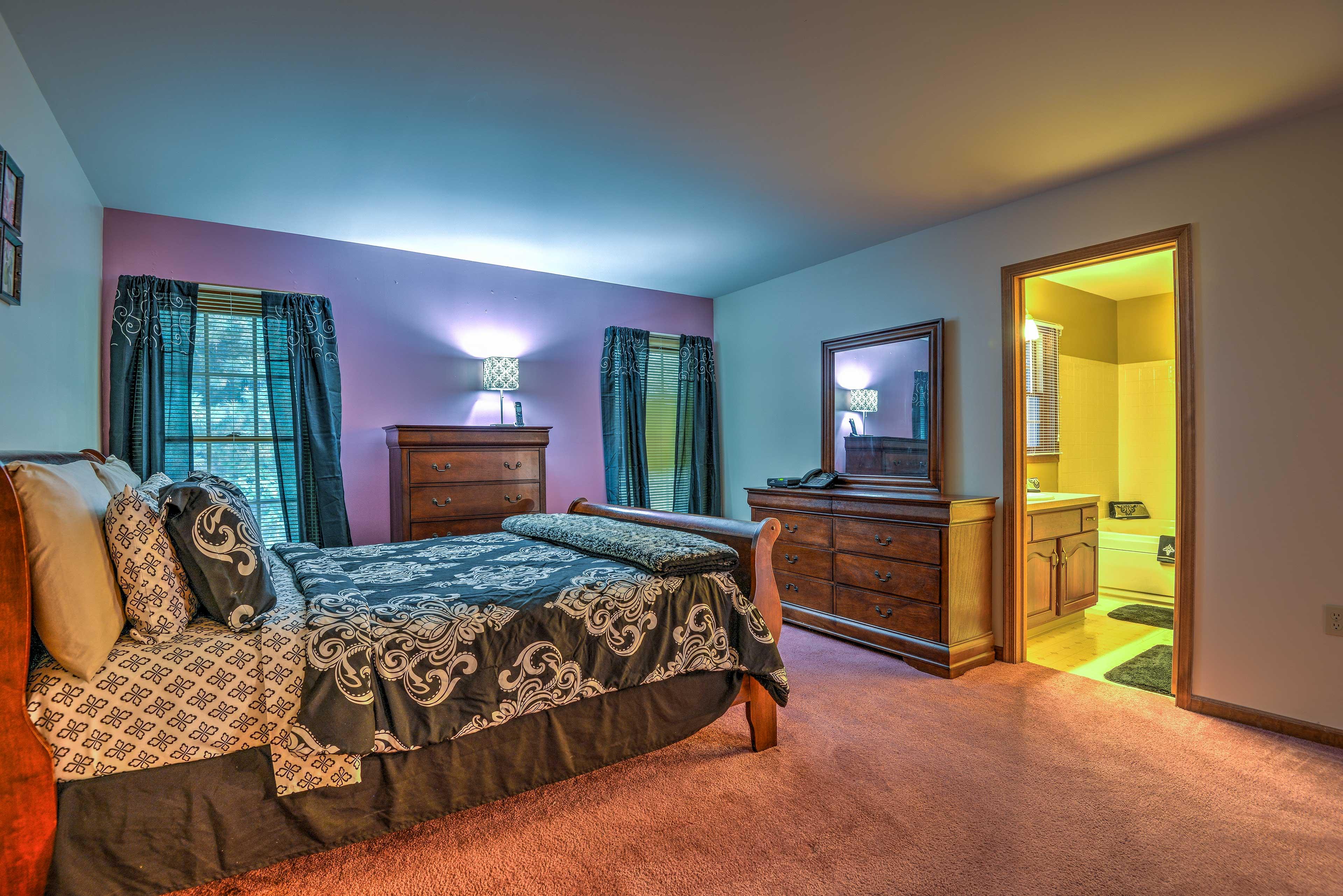 Master Bedroom   Landline Phone