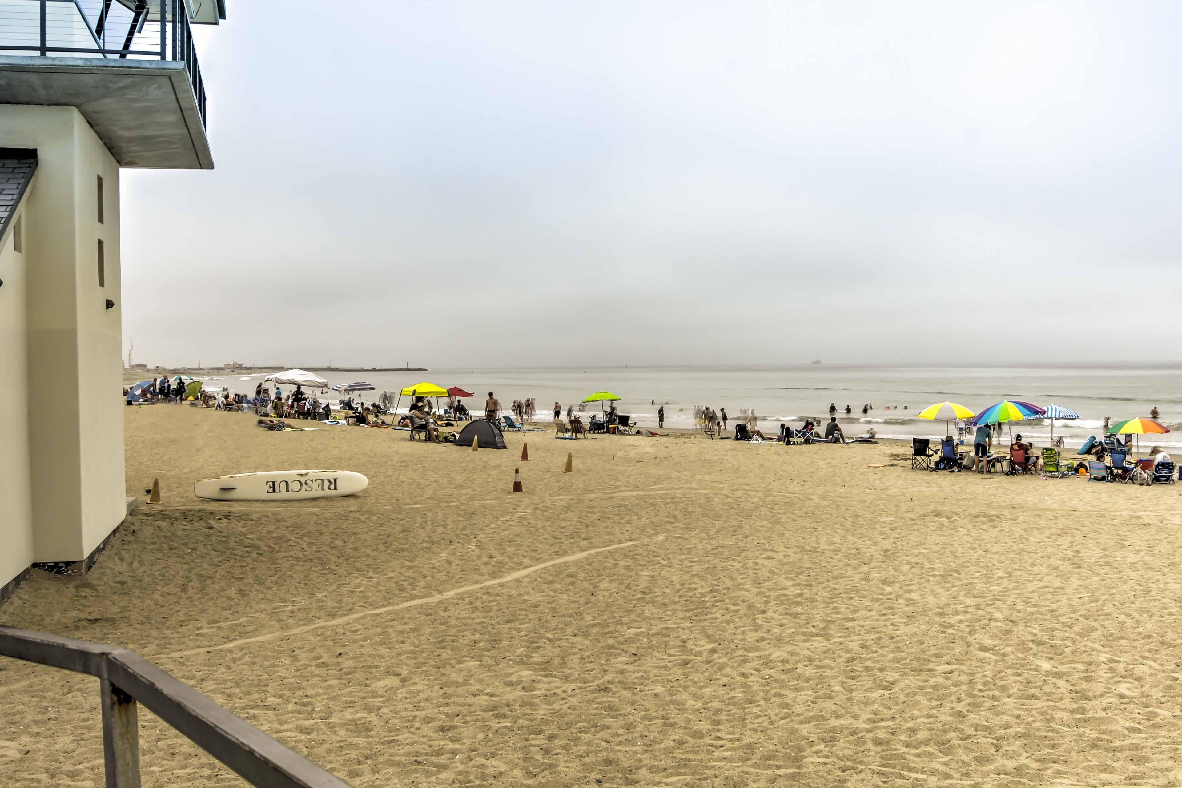 Sandy beaches are just 1 block away!