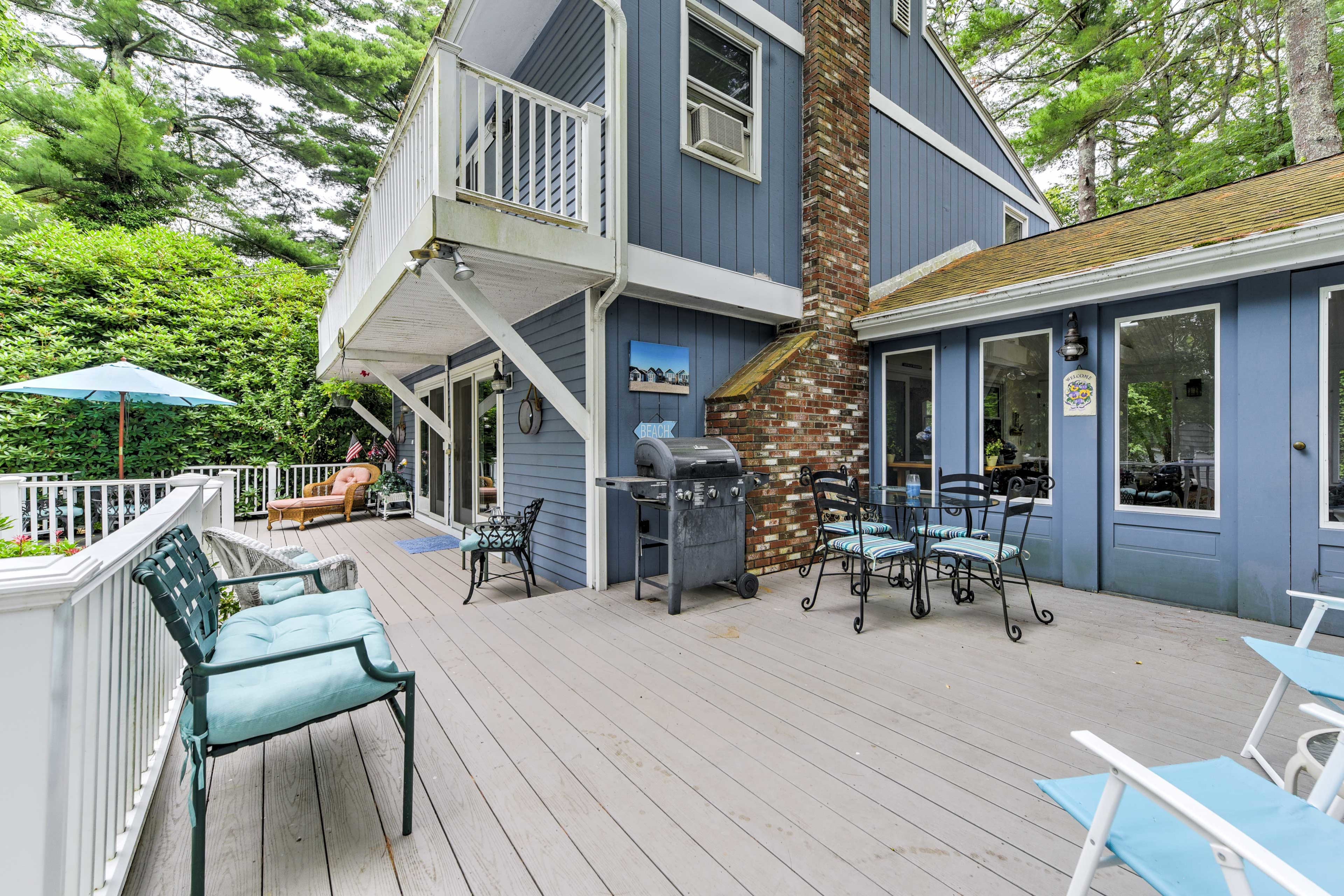 This 4-bedroom, 2.5-bath vacation rental offers a spacious back deck.