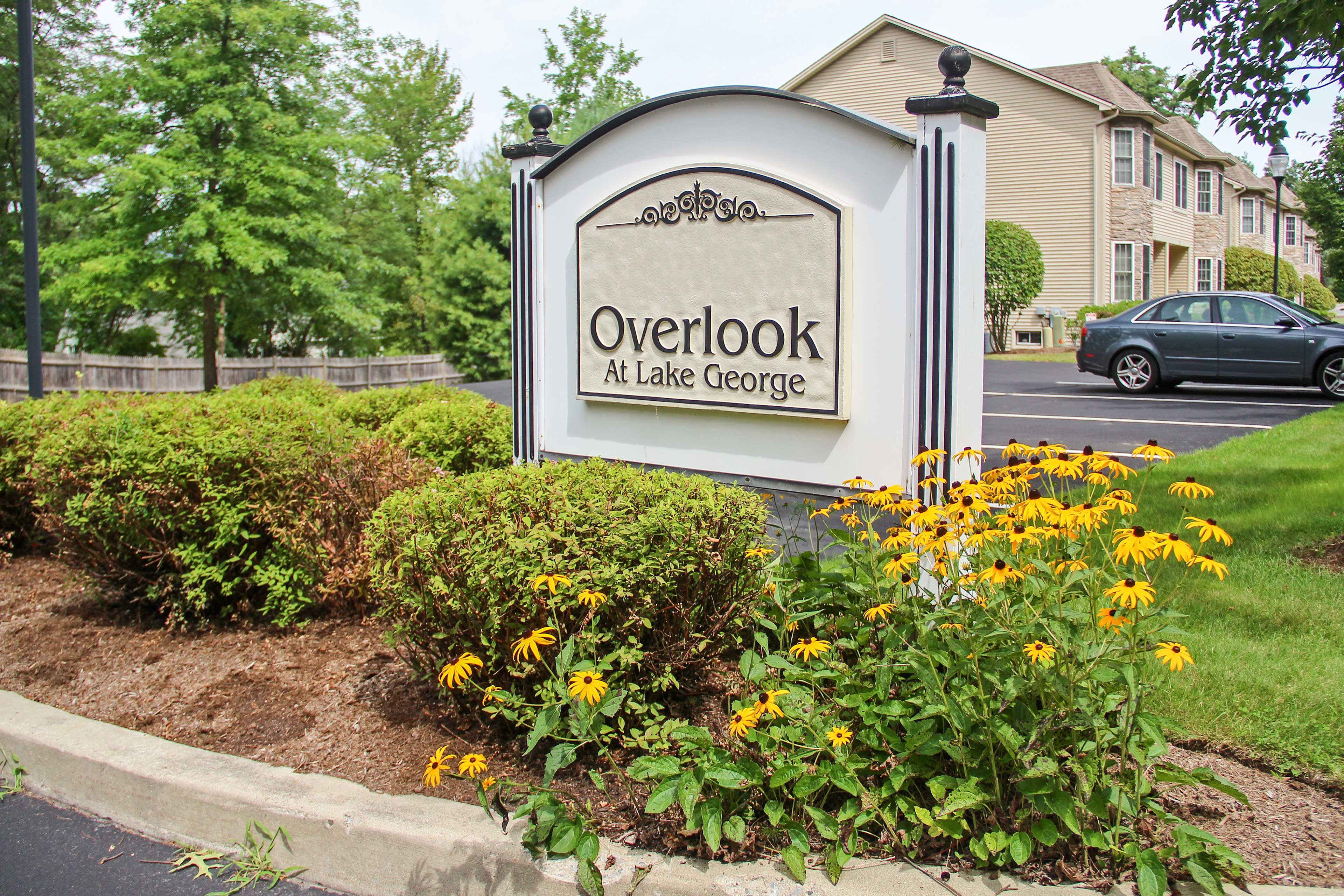Overlook at Lake George welcomes you to a refreshing getaway.