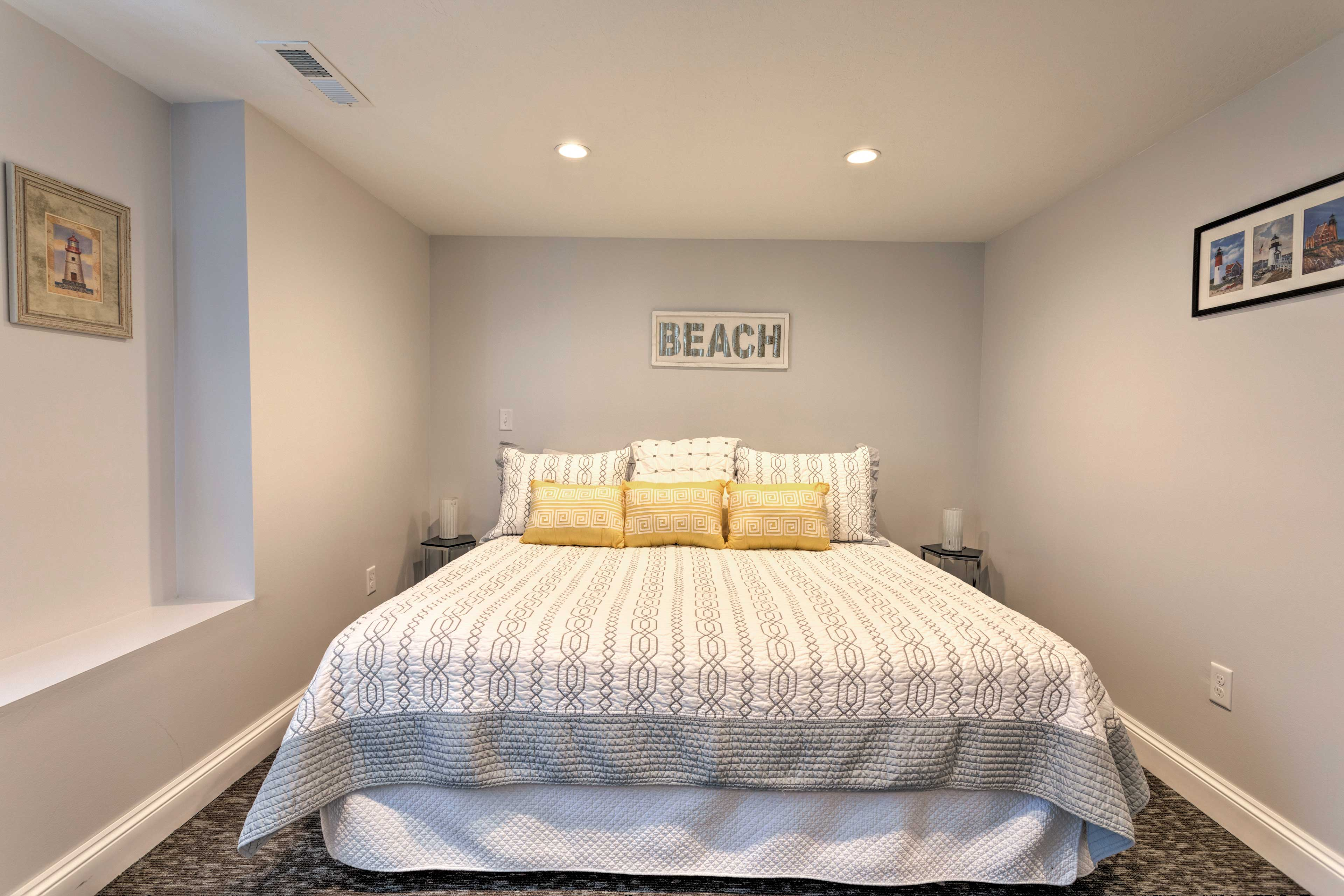 Dream of the beach when you sleep in this bed.