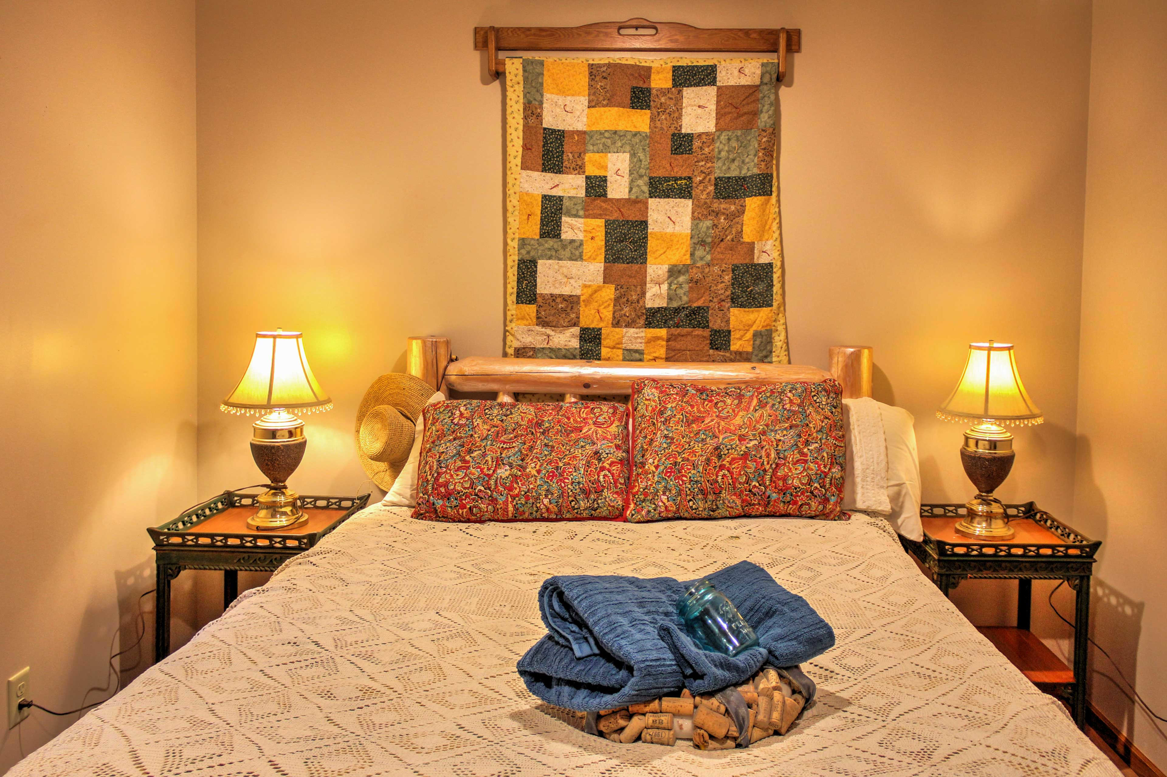 Wake up feeling refreshed after a night spent in this queen-sized bed.