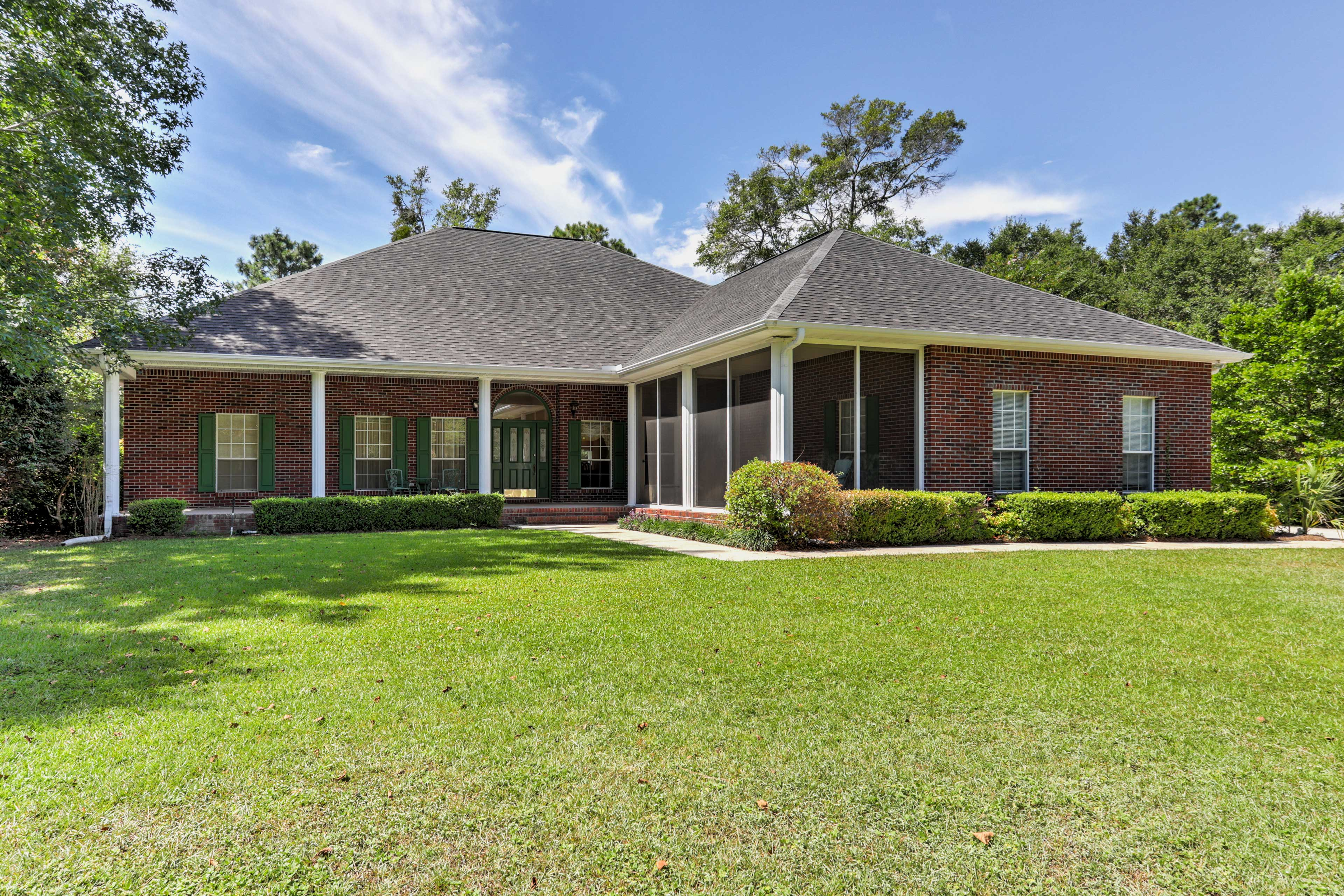 Step inside this gorgeous 4-bedroom, 2.5-bathroom Milton vacation rental home.