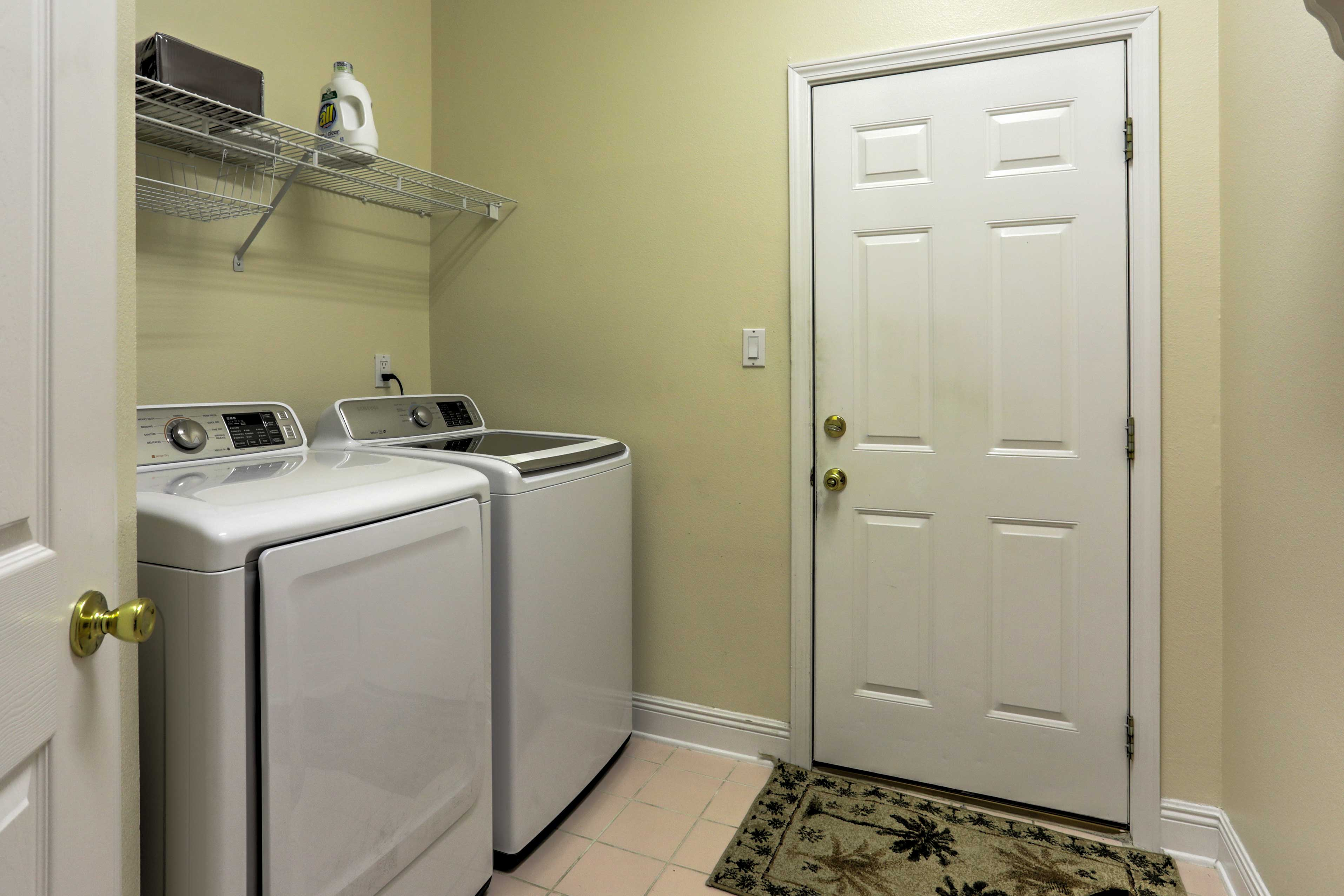 Keep your clothes clean by utilizing the in-unit laundry machines.