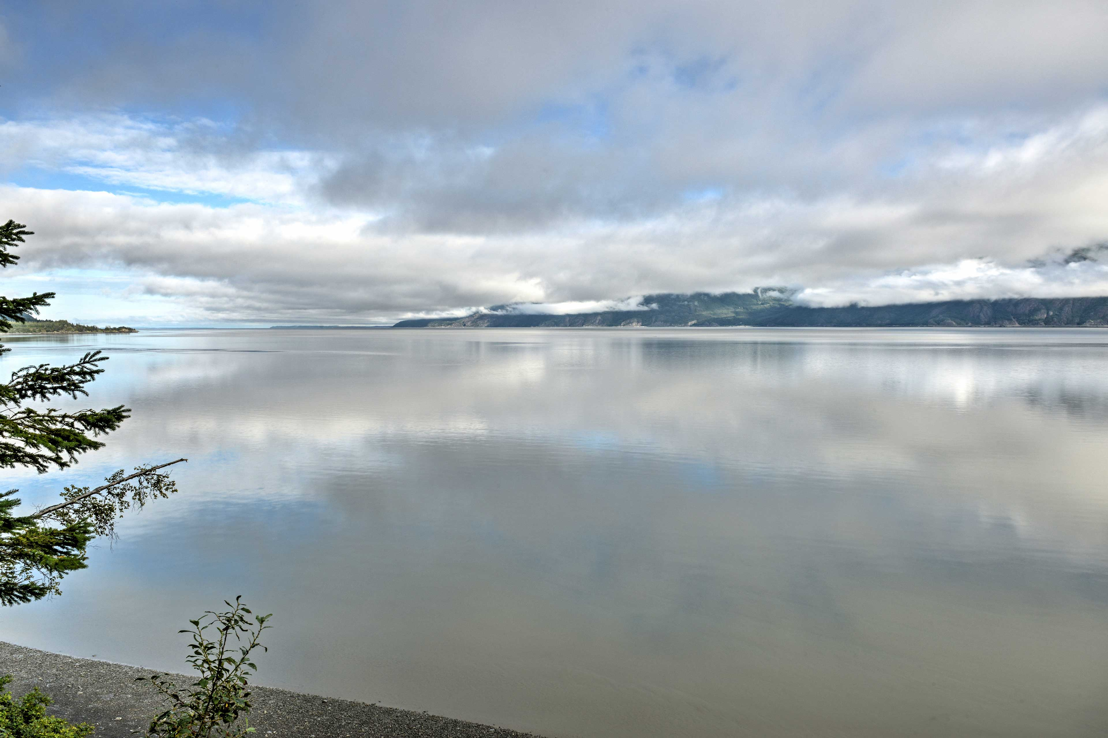 Seasonal activities abound throughout beautiful Hope, Alaska!