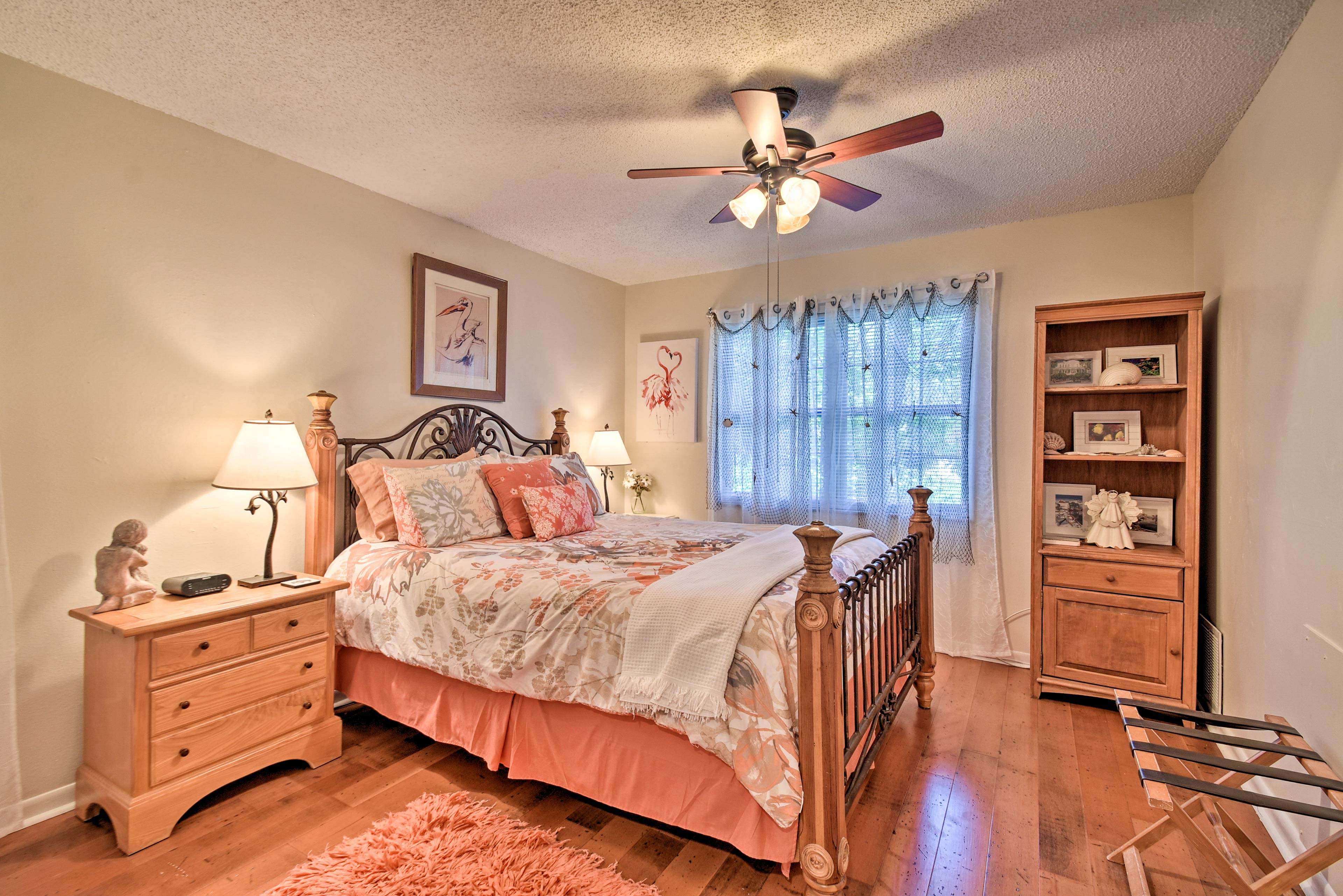 Rest up in the second bedroom on the queen-sized bed.