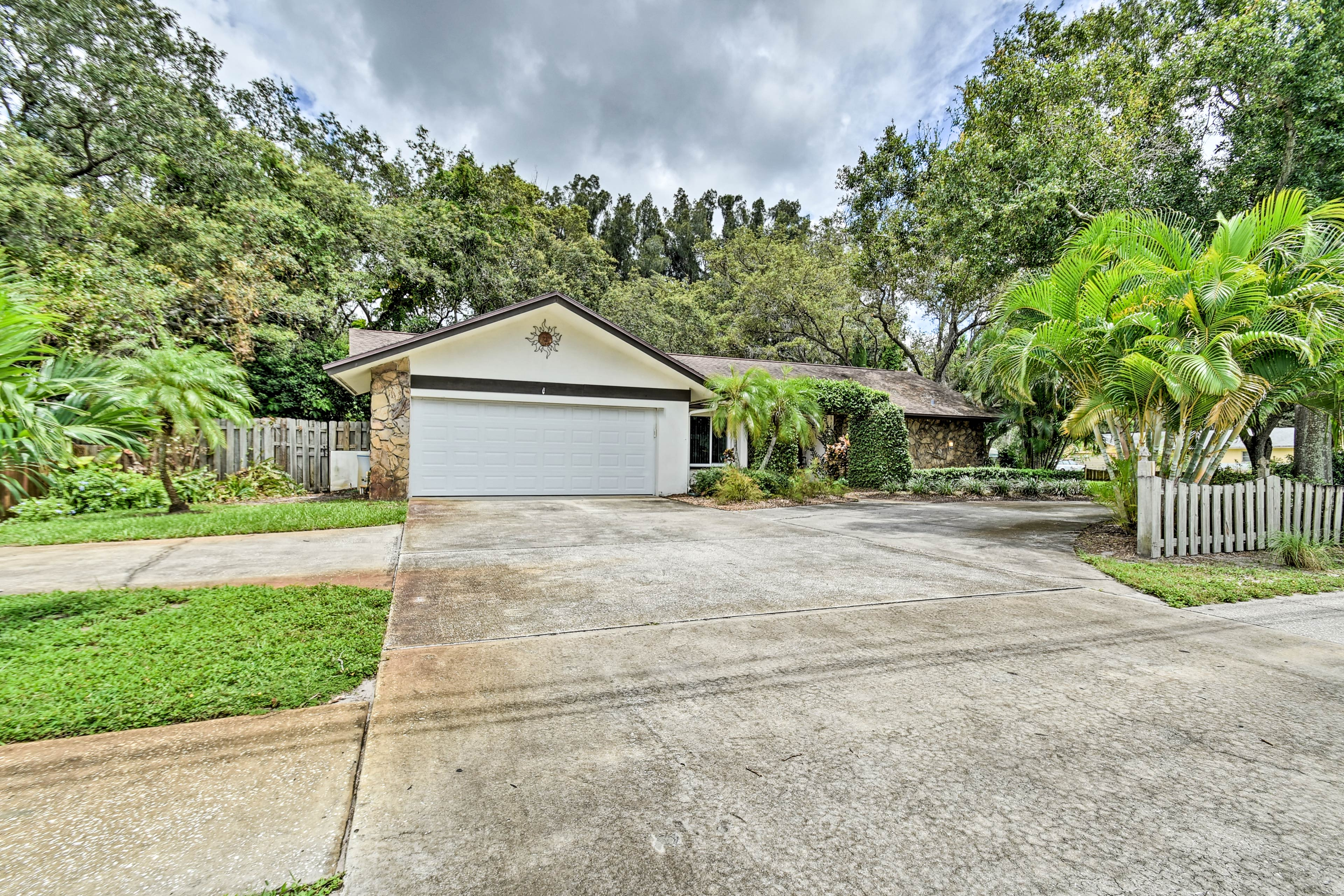 This Largo home has everything you need.