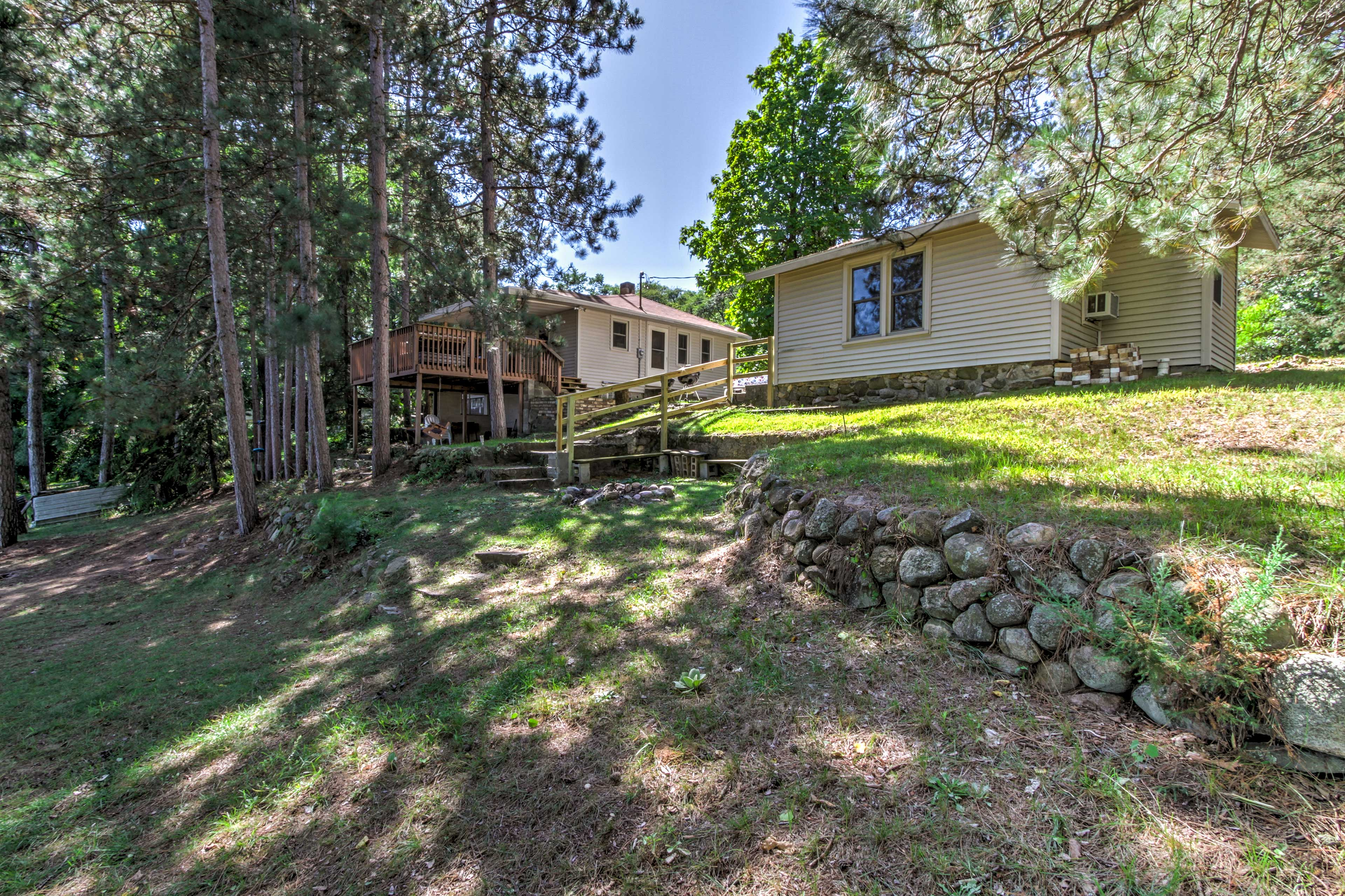 This home is nestled in a pristine forest lake setting!