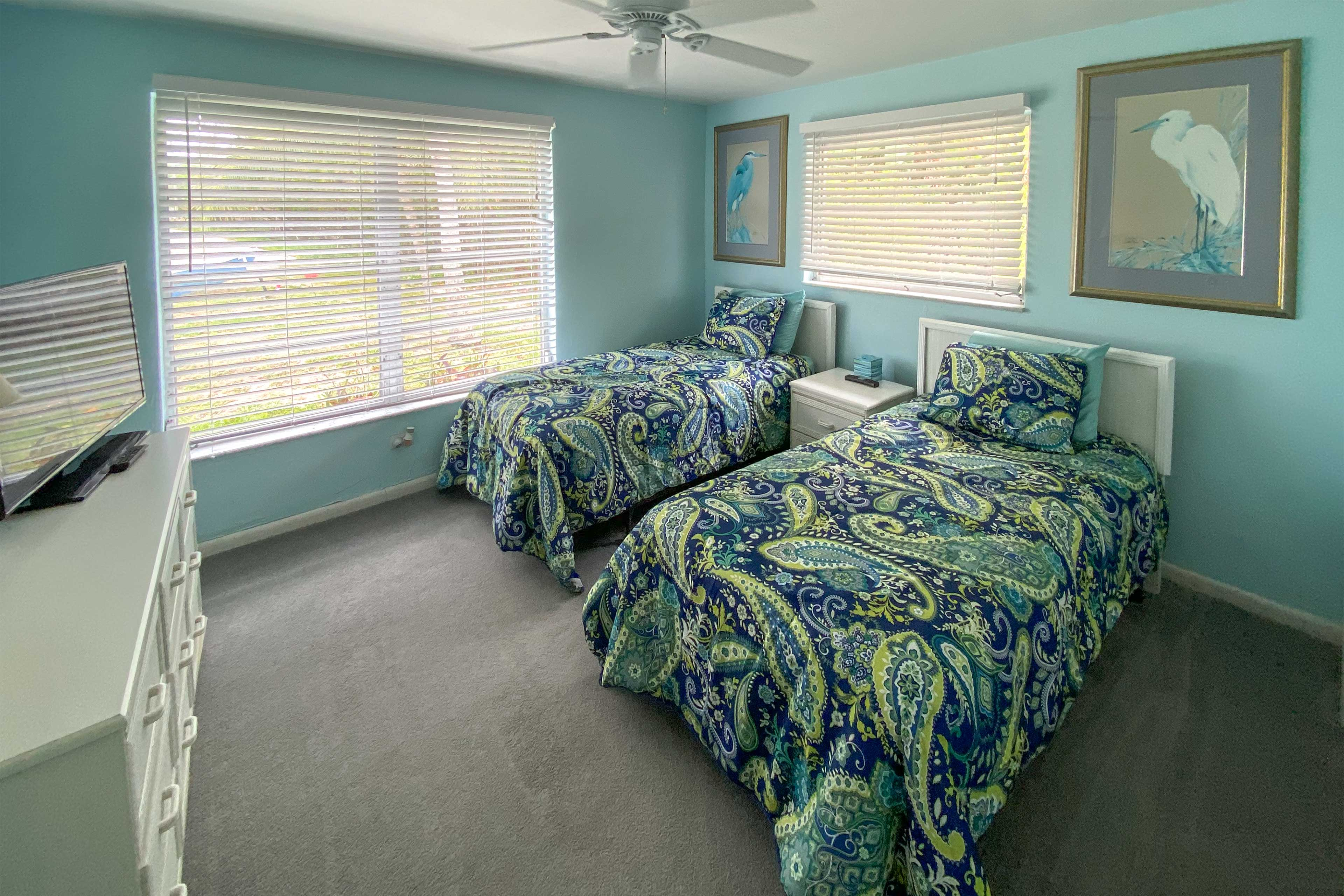 Bedroom 2 | 2 Twin Beds | Linens Provided