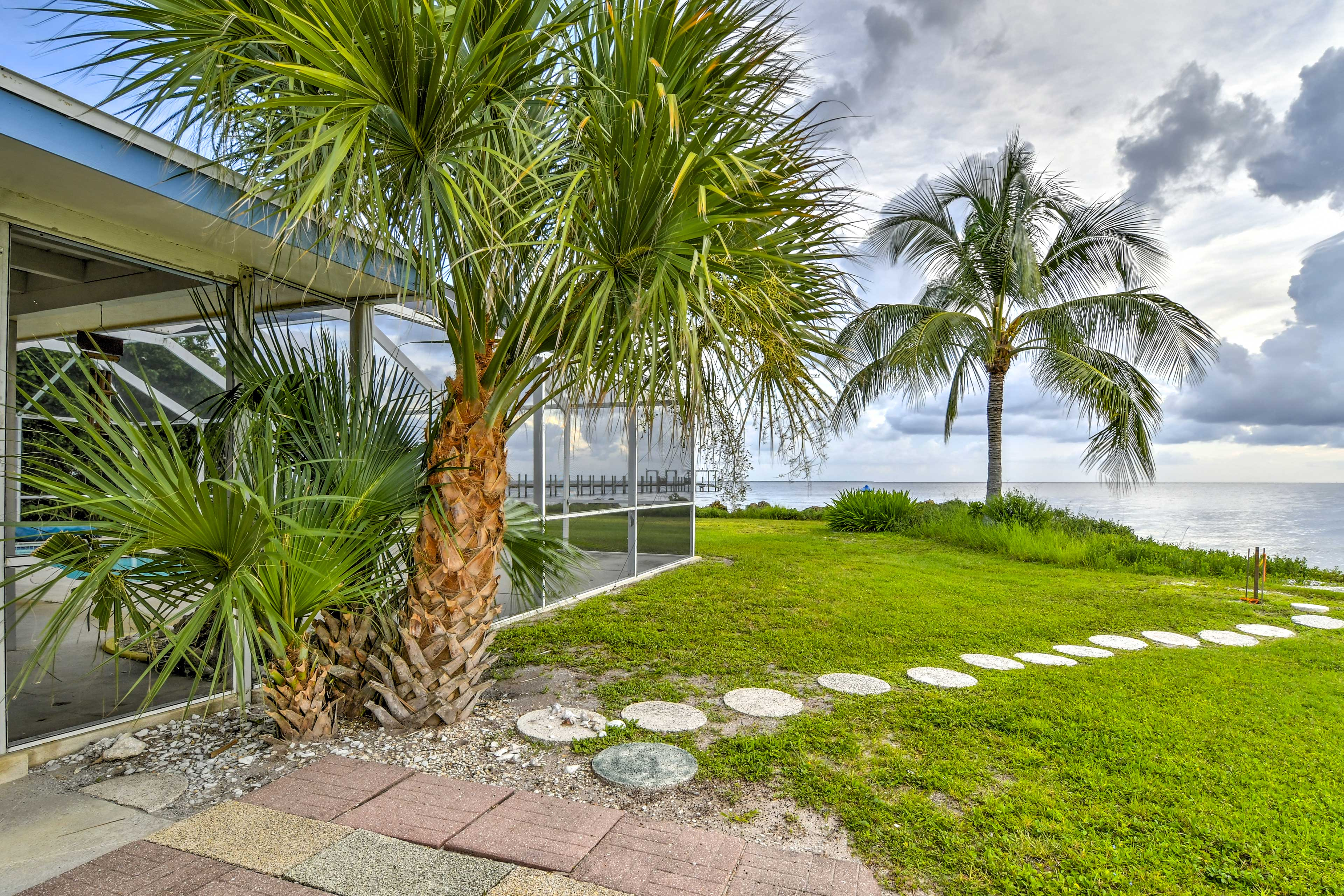 The views are tough to beat at this gorgeous vacation rental house.