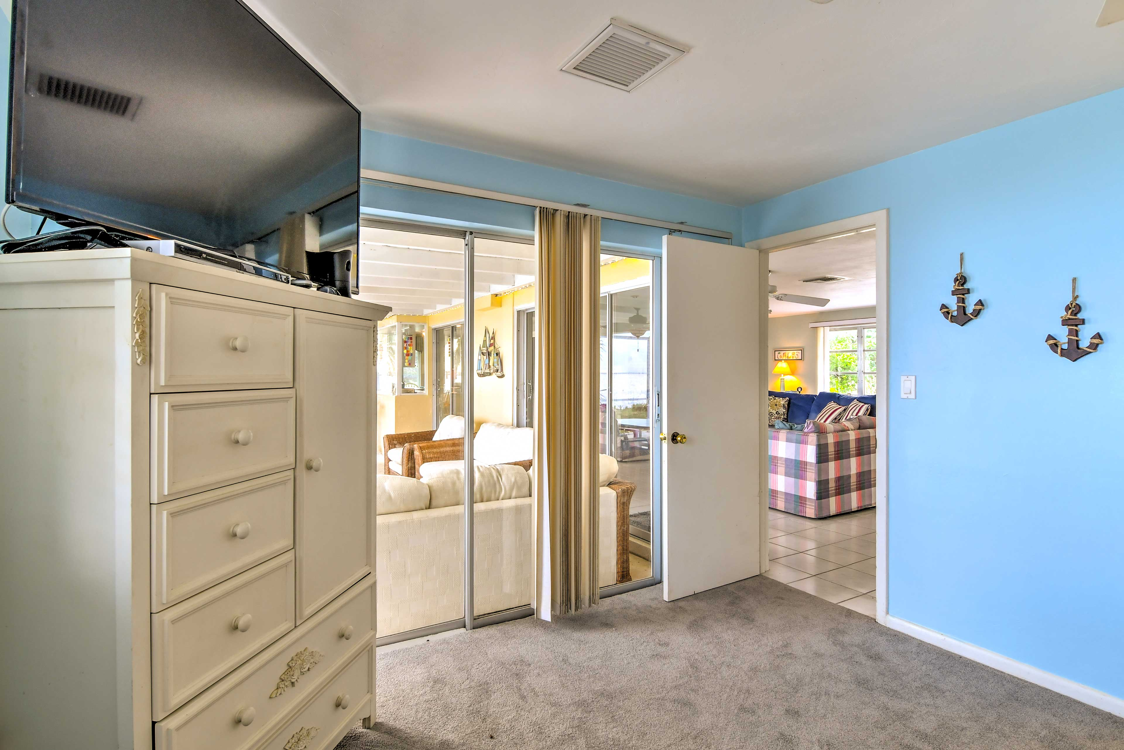 An additional flat-screen cable TV is provided in the master bedroom.