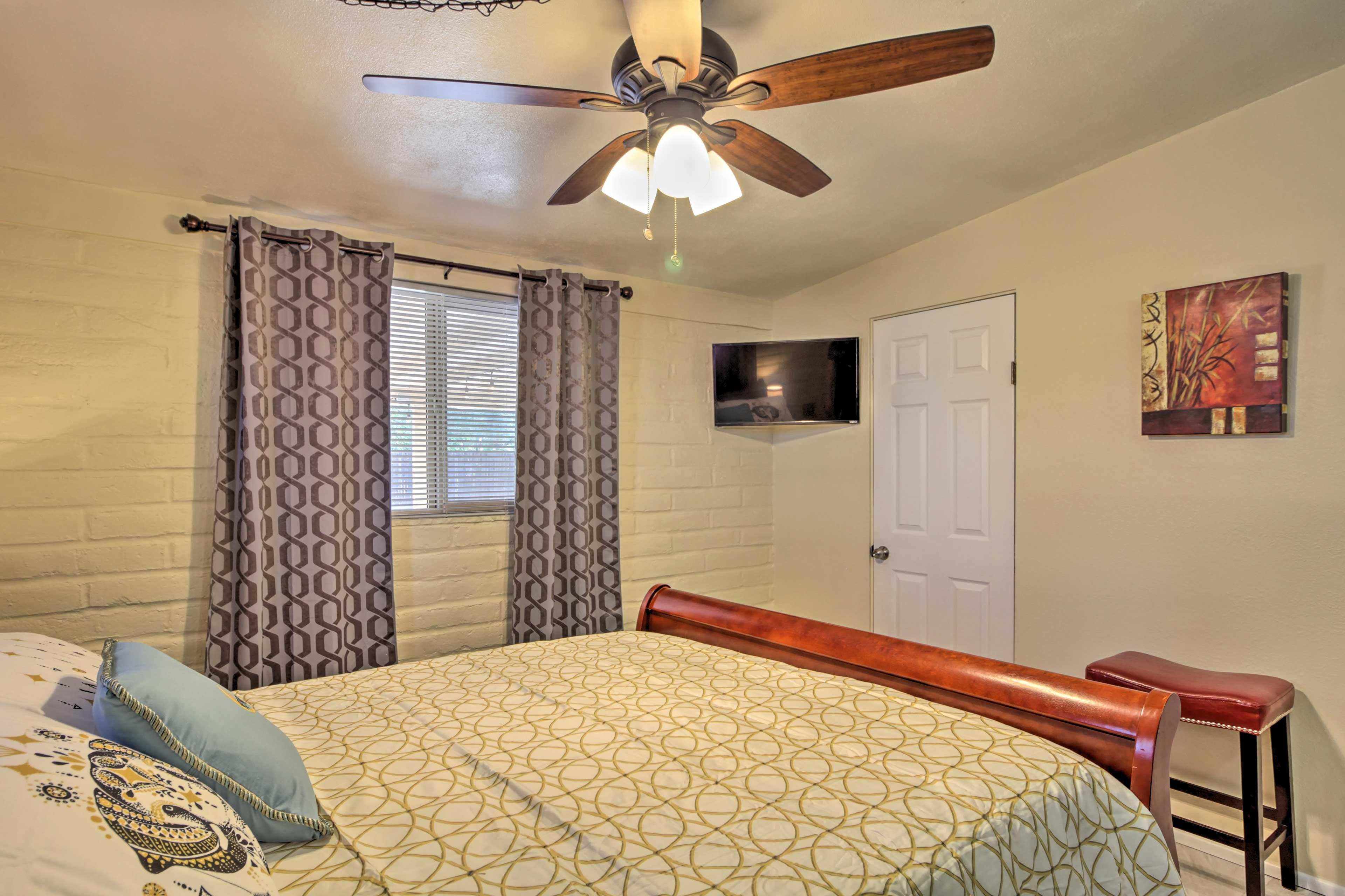 Each bedroom features a flat-screen Smart TV.