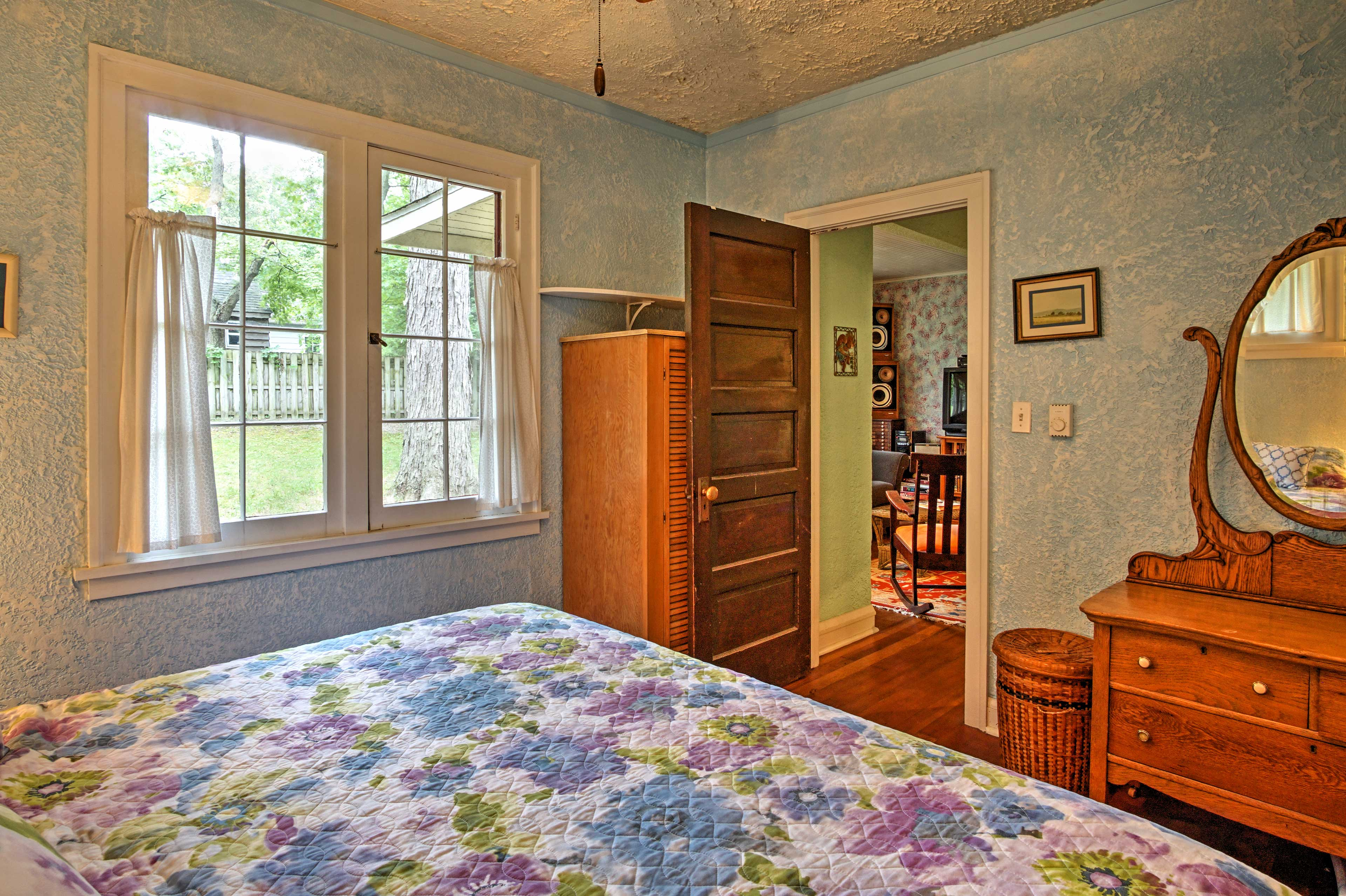 Those sleeping in the master bedroom will love curling up in a plush king bed.