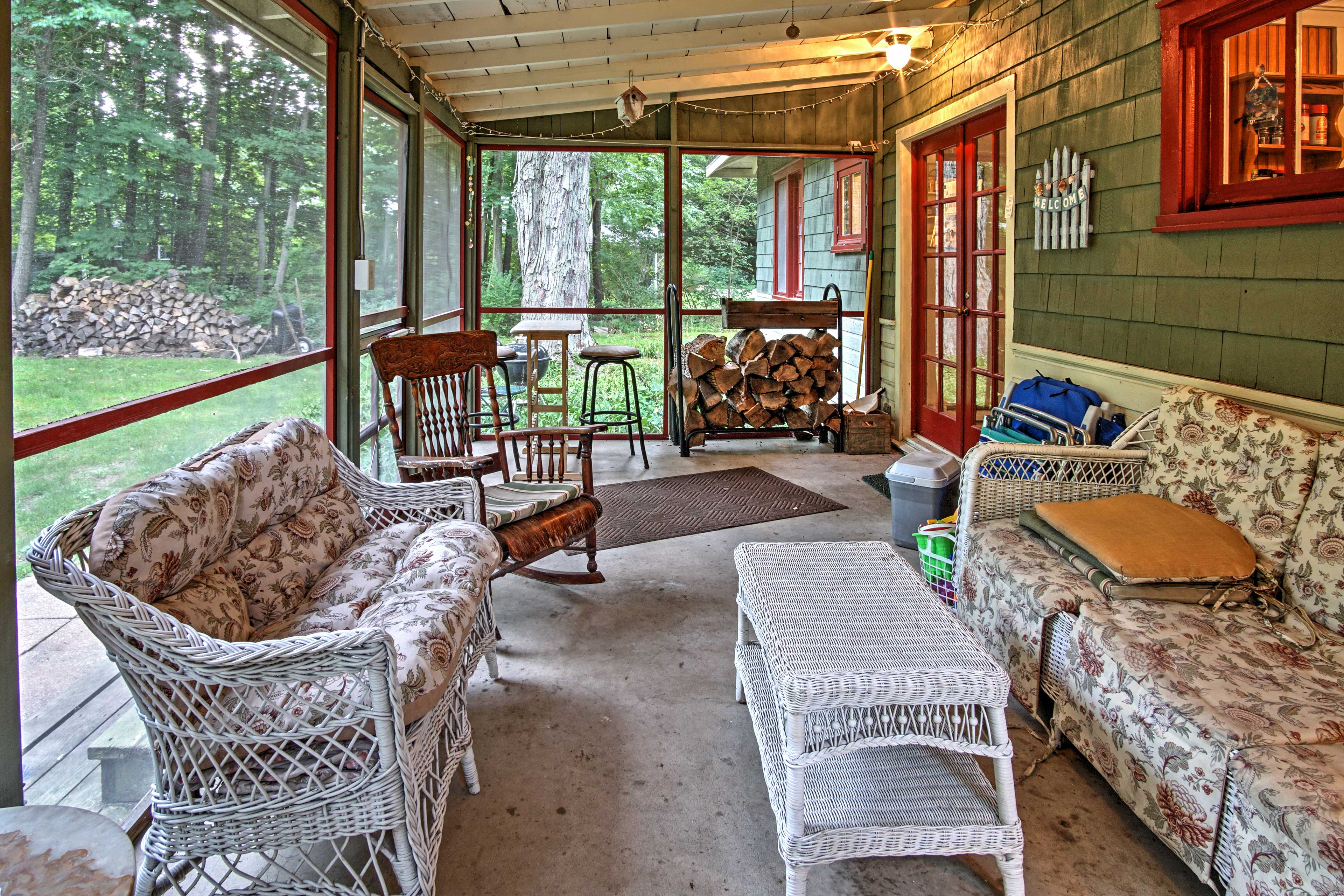 Early risers will look forward to sipping coffee outside on the screened-in porch.