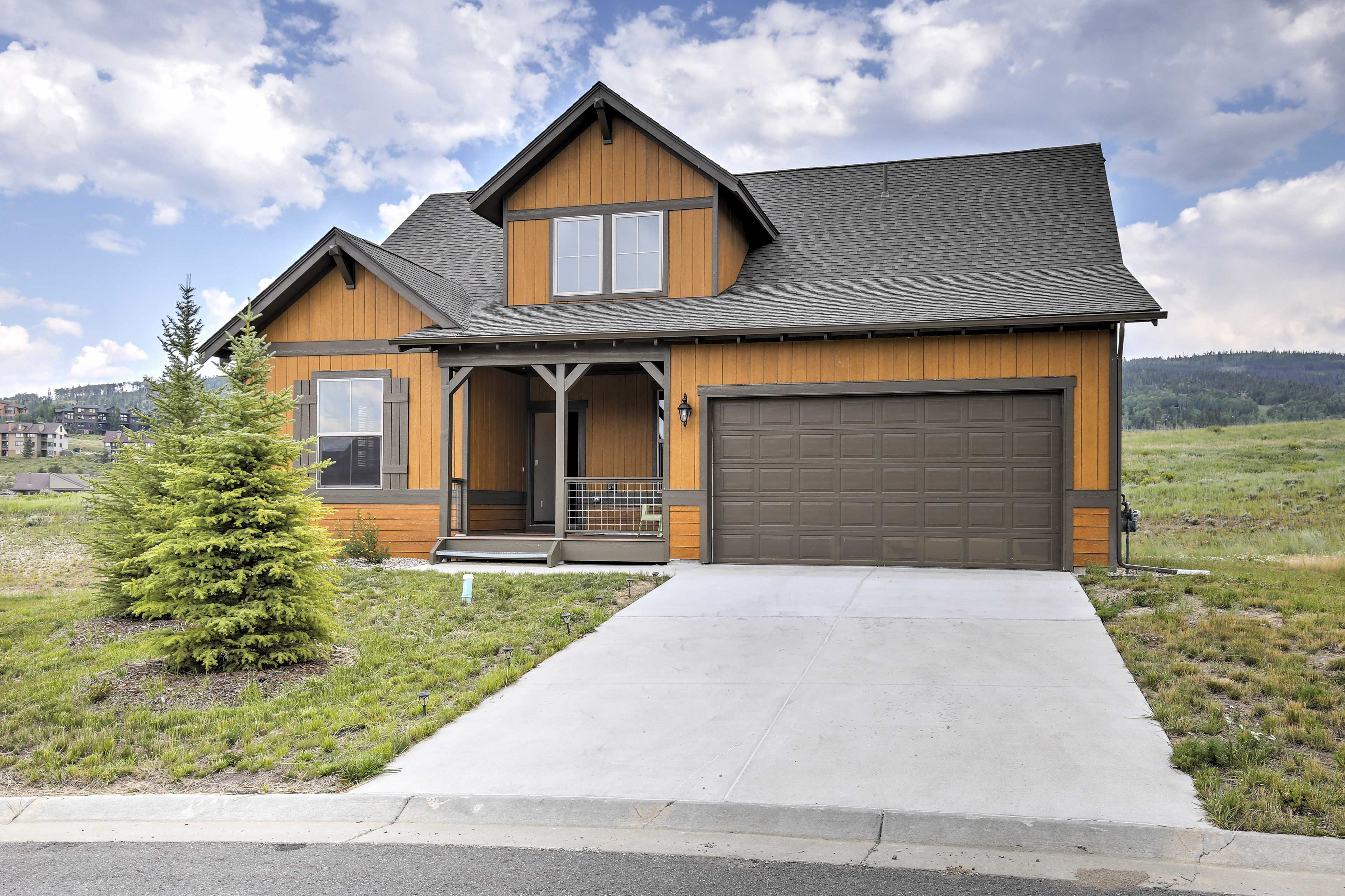 A Rocky Mountain retreat awaits you at this Granby vacation rental house!