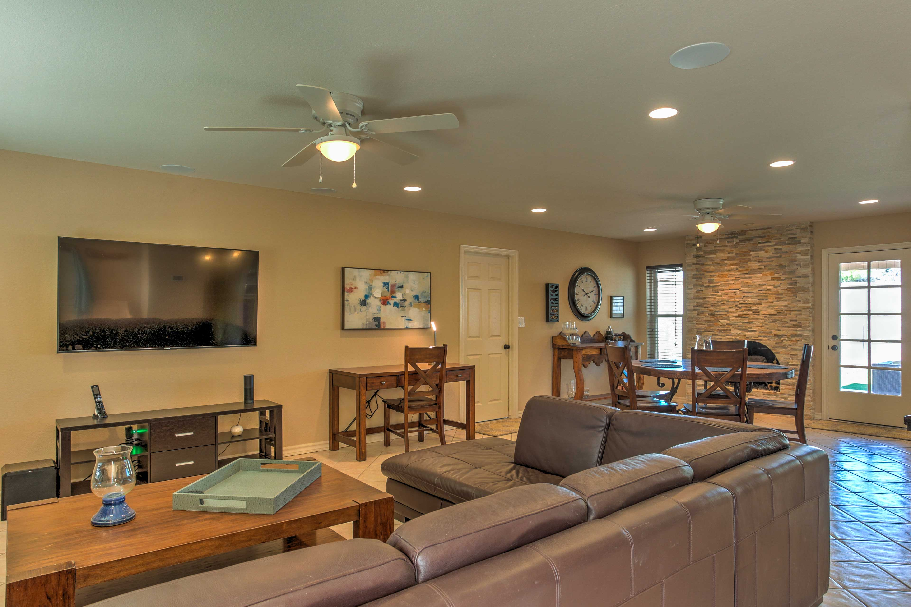 An open floor plan makes it easy to mingle with your guests.