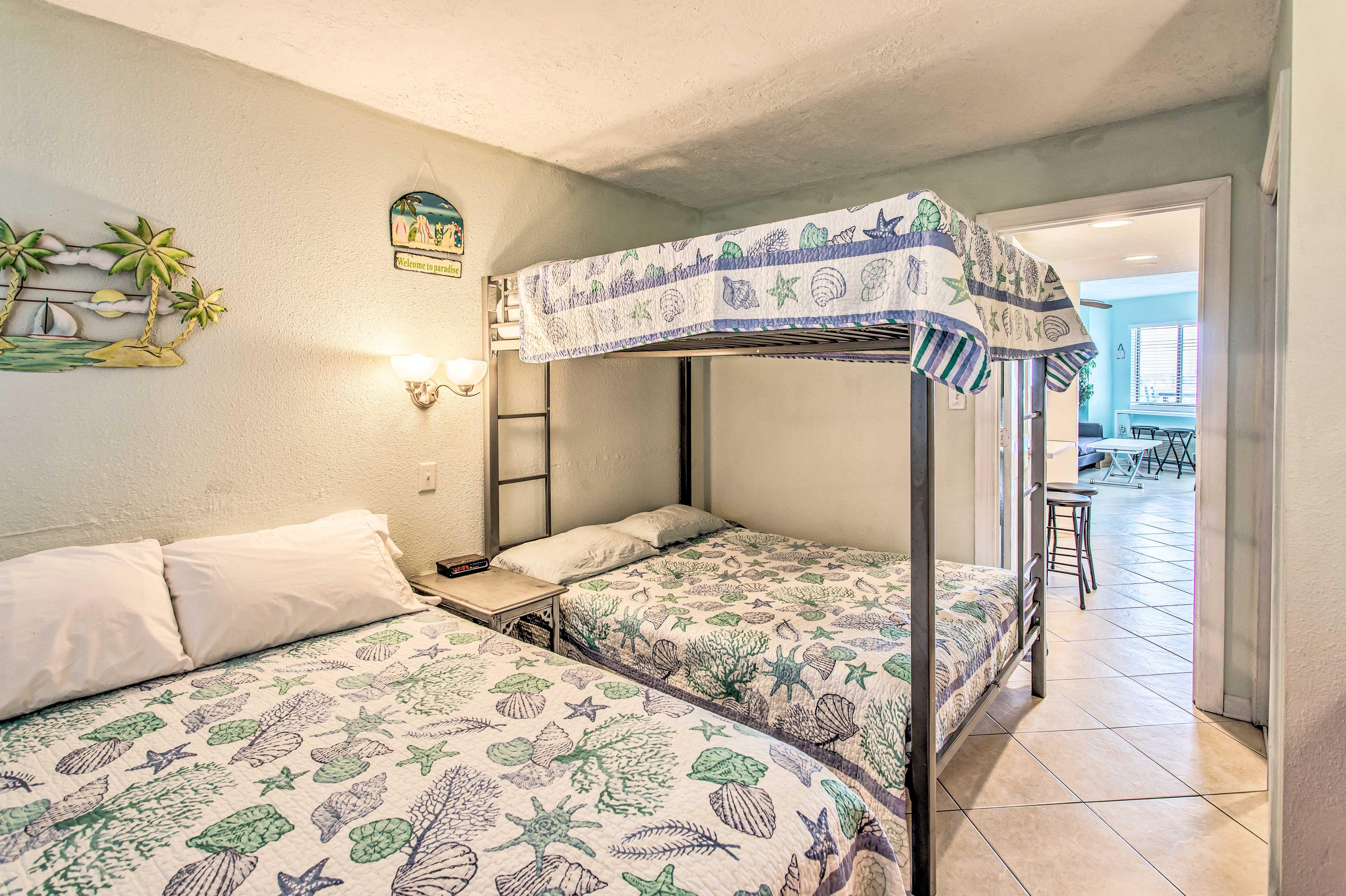 Bedroom | Queen Bed | Full Bunk Bed | Linens Provided