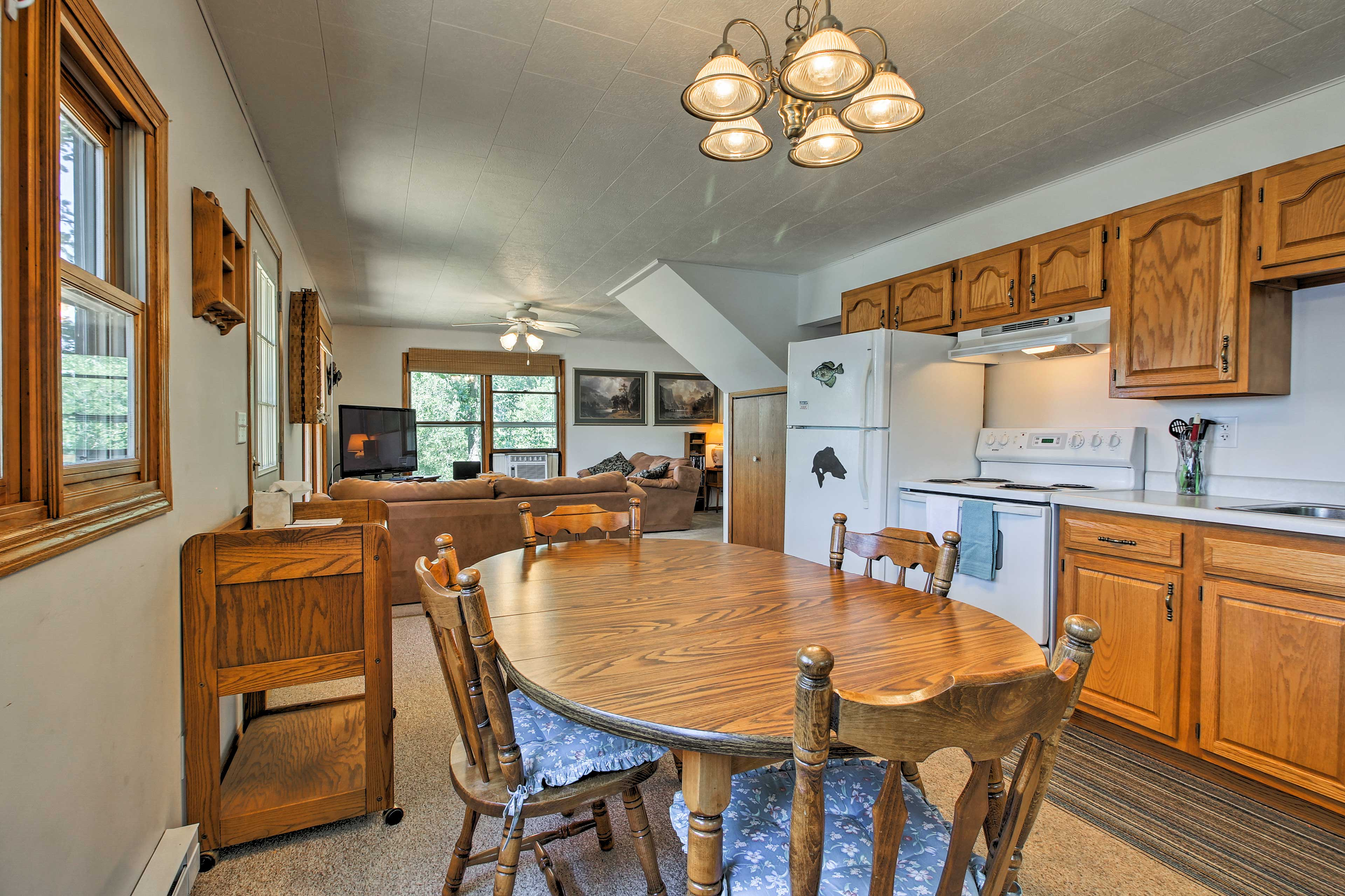 Prepare a family feast with ease in the fully equipped kitchen.