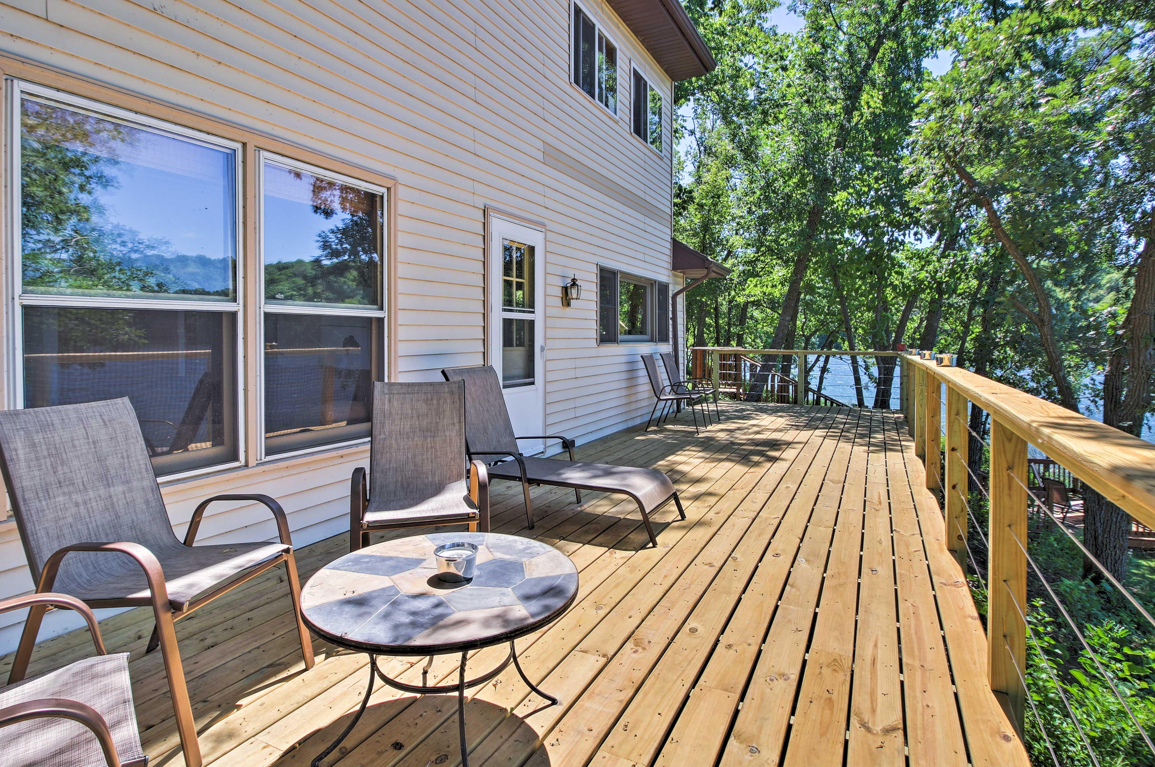 The home offers a new 40' x 10' deck!