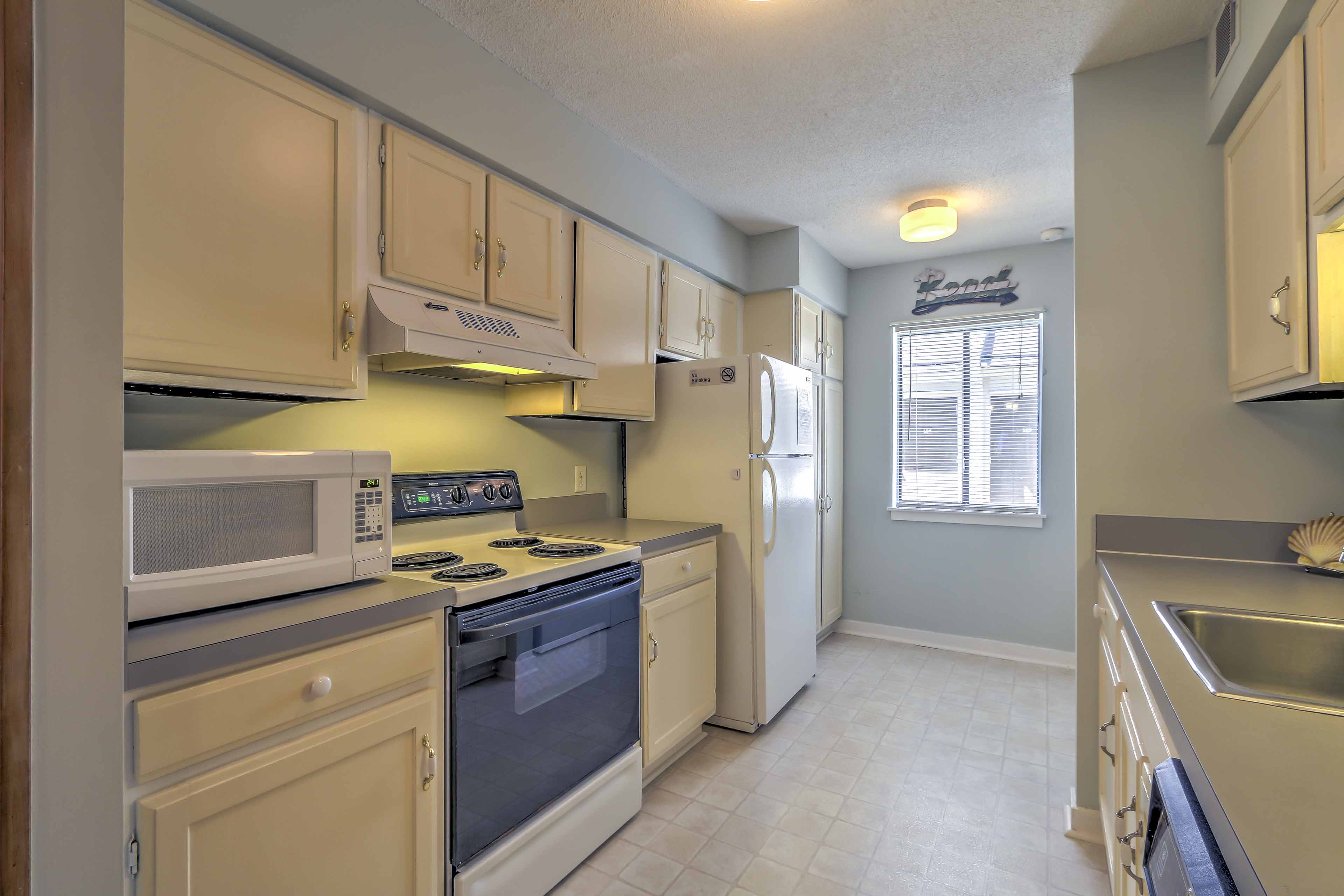 The fully equipped kitchen has all the appliances you'll need to prepare meals.