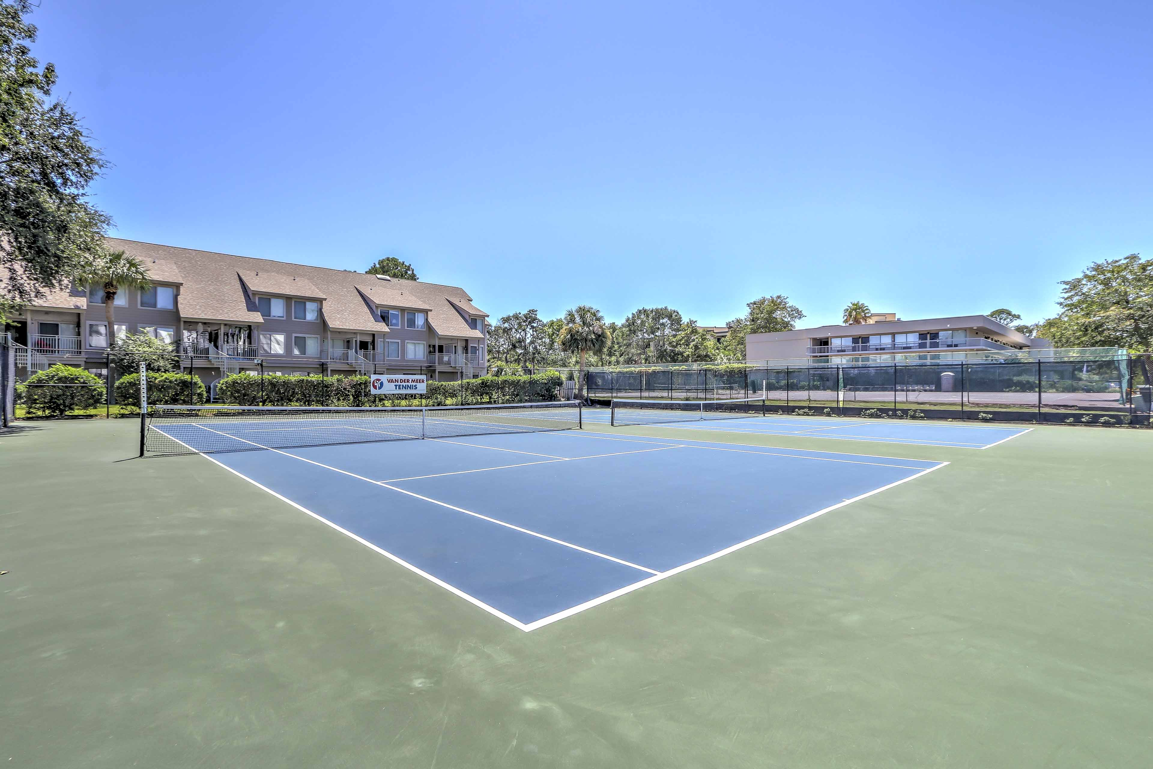 Challenge your companions to a game of tennis at the outdoor or indoor courts.