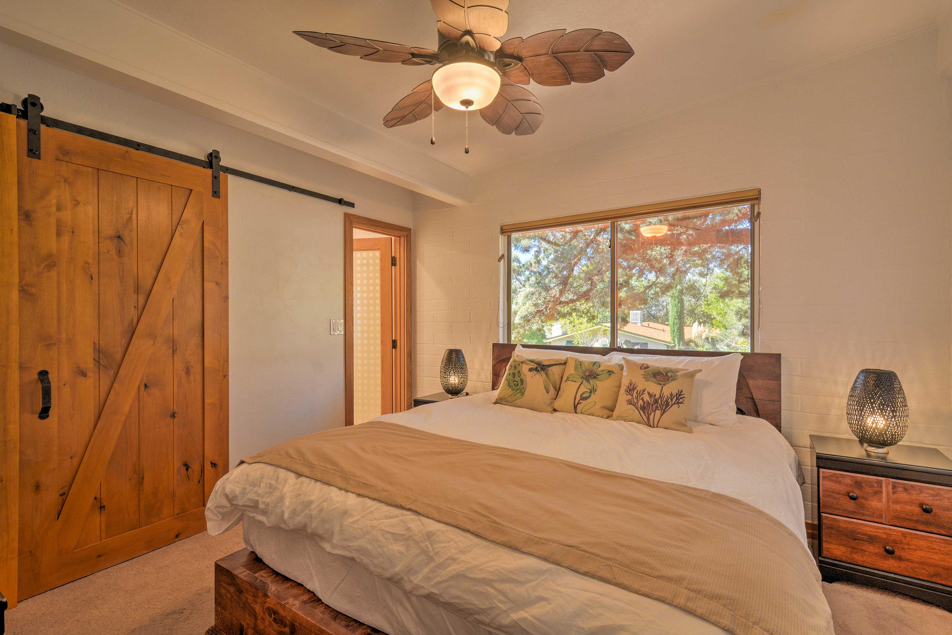 Master Bedroom | Walk-In Closet | Ceiling Fan