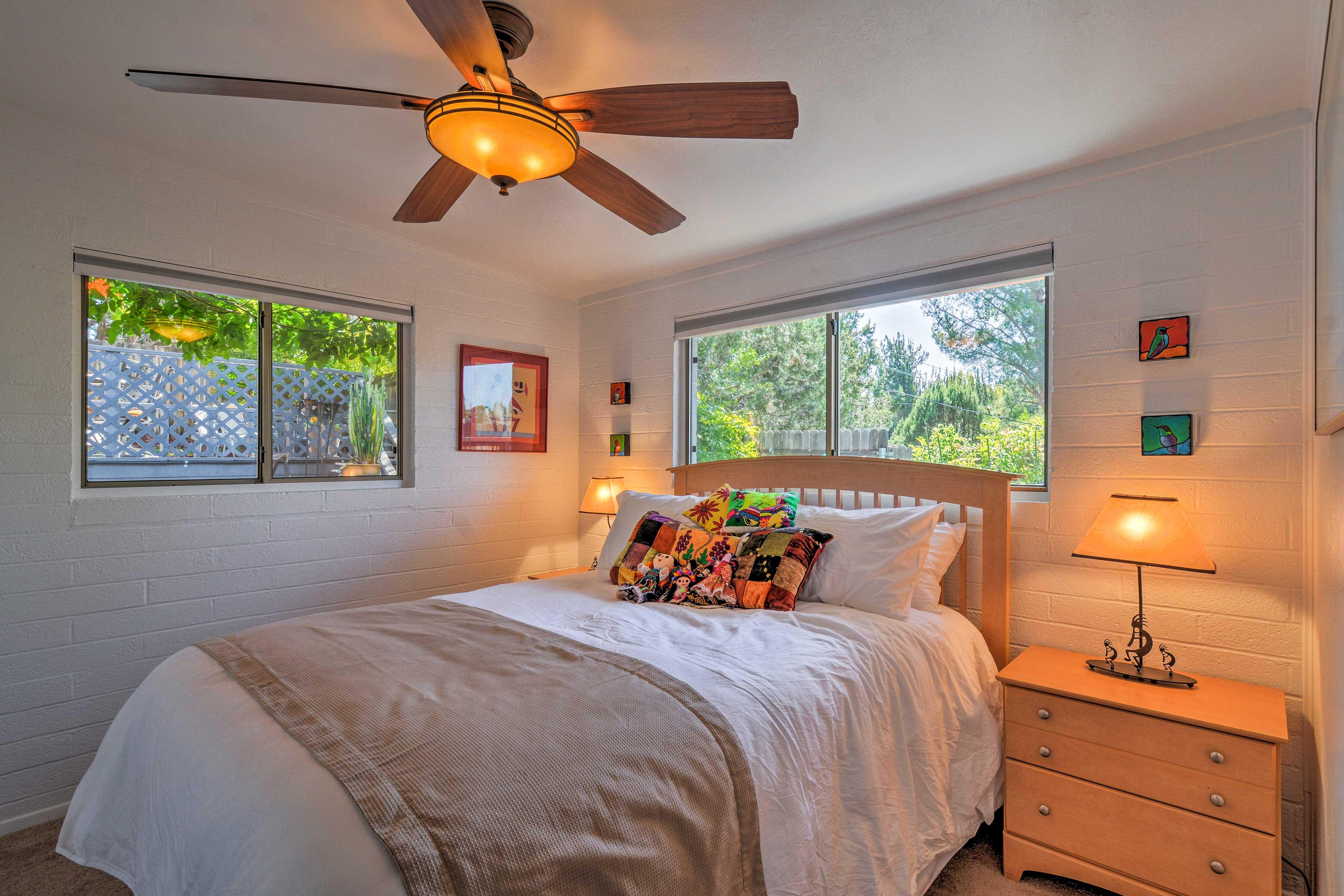 Bedroom 2 | Queen Bed | Corner Room