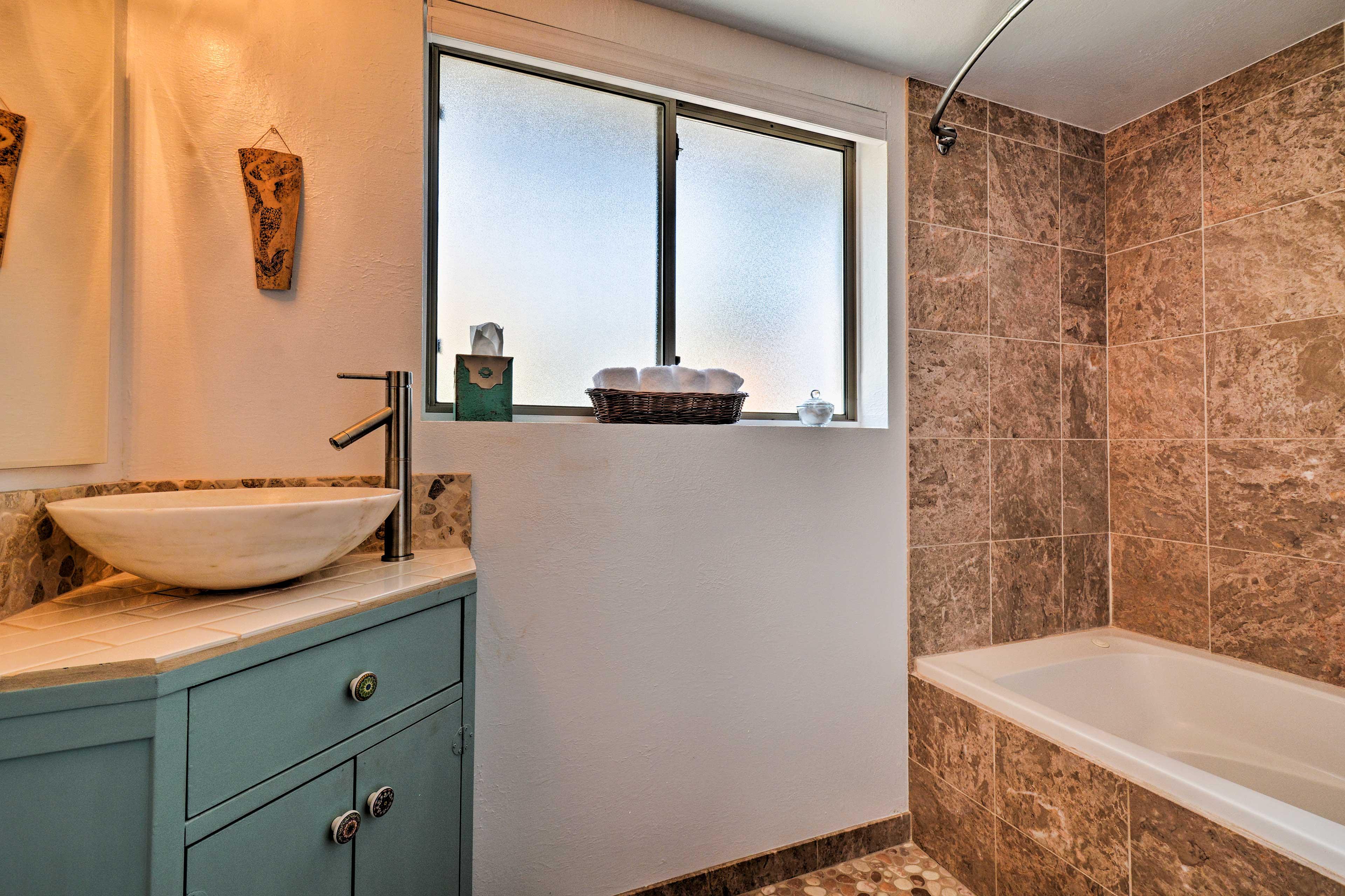 Bathroom 2 | Towels Provided