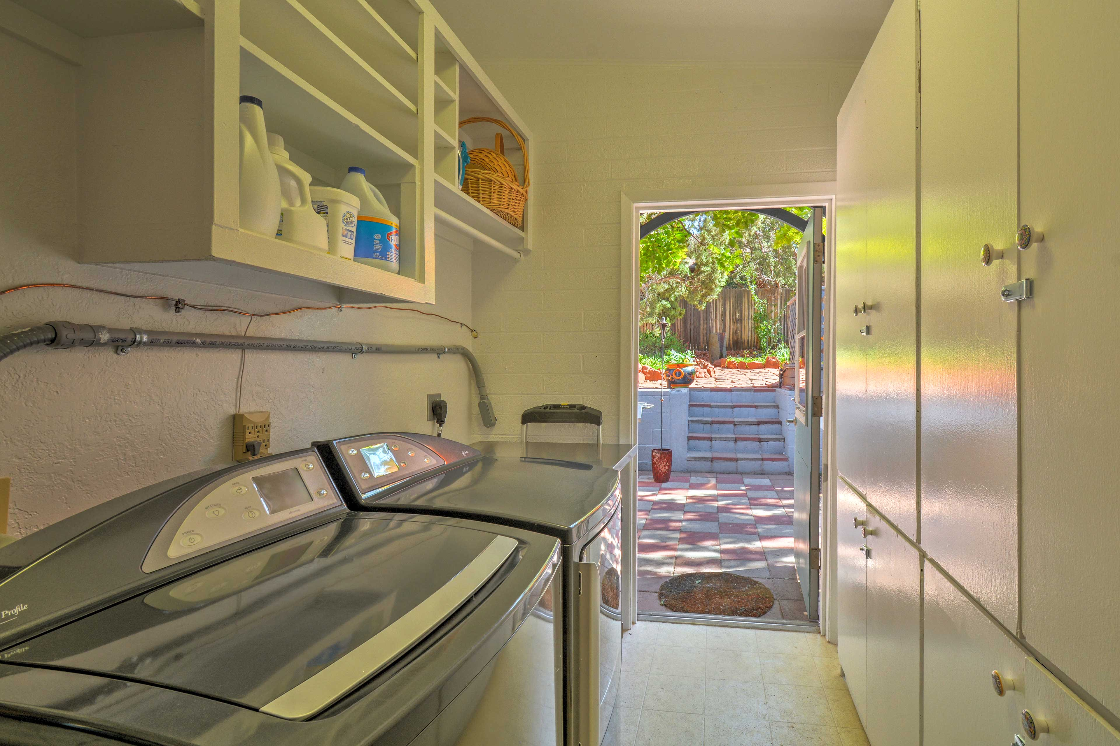 Laundry Room | Washer/Dryer