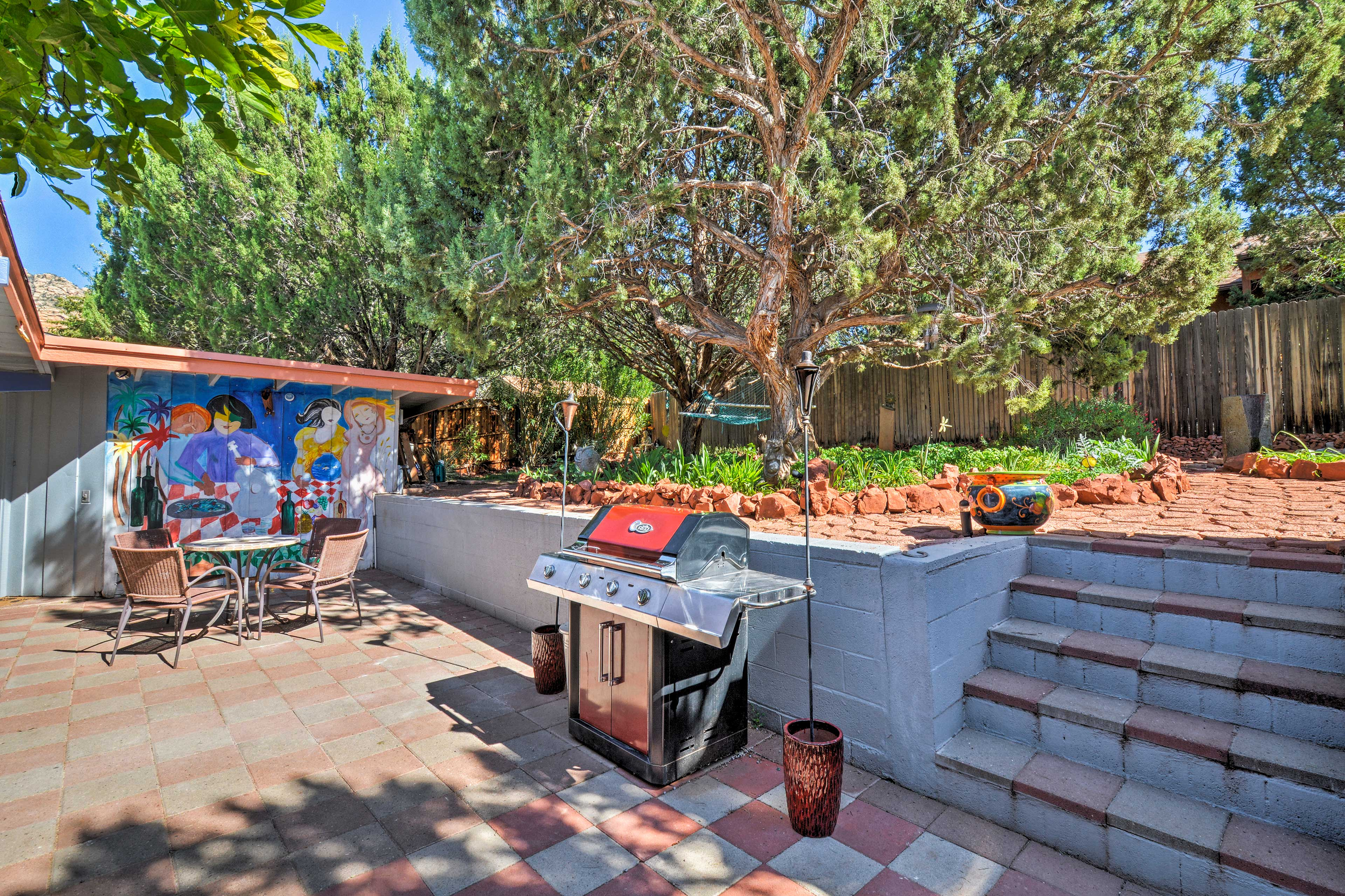 Private Patio | 2 Tiers | Gas Grill | Outdoor Dining Table
