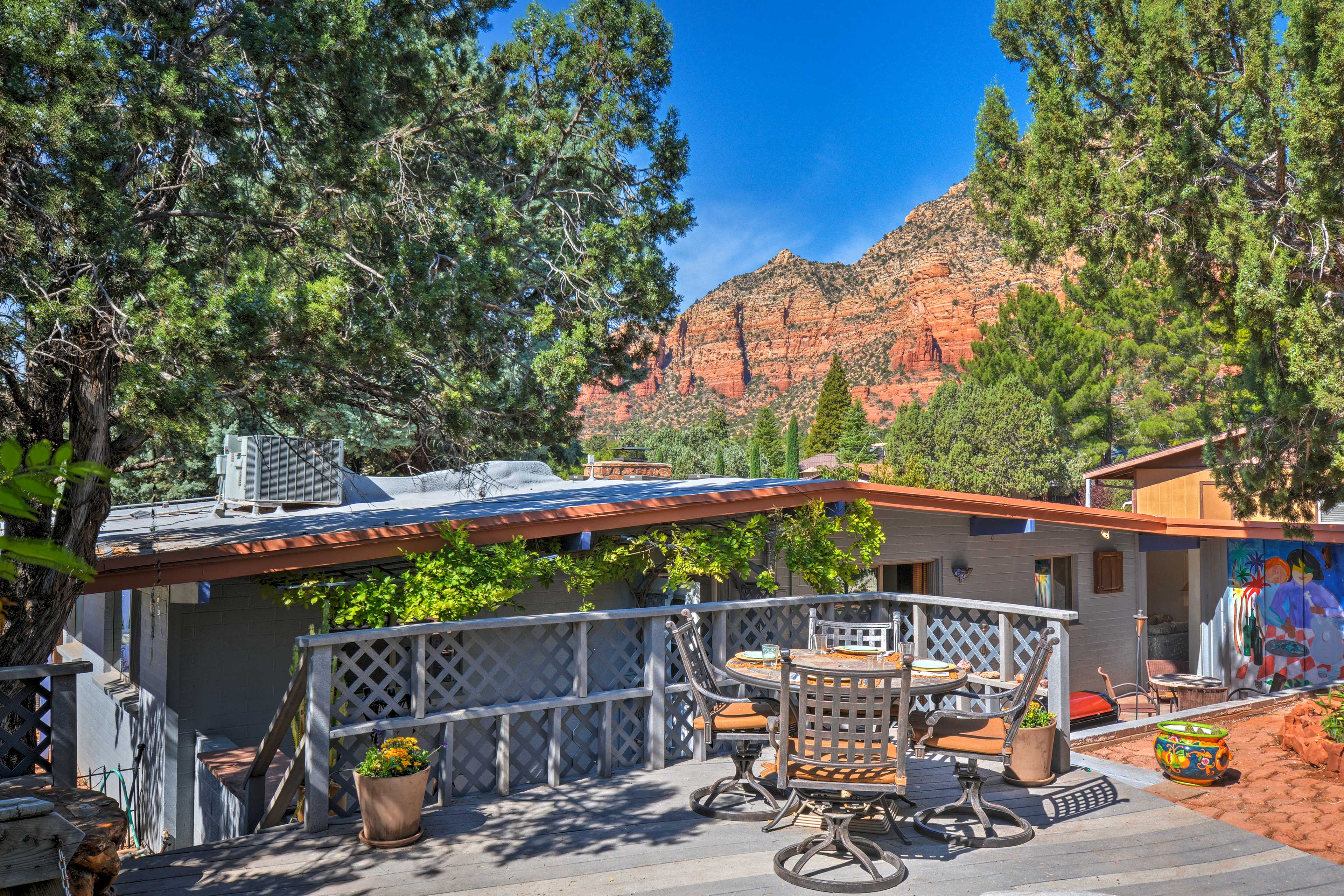 Private Deck | Red Rock Views | Outdoor Dining Table