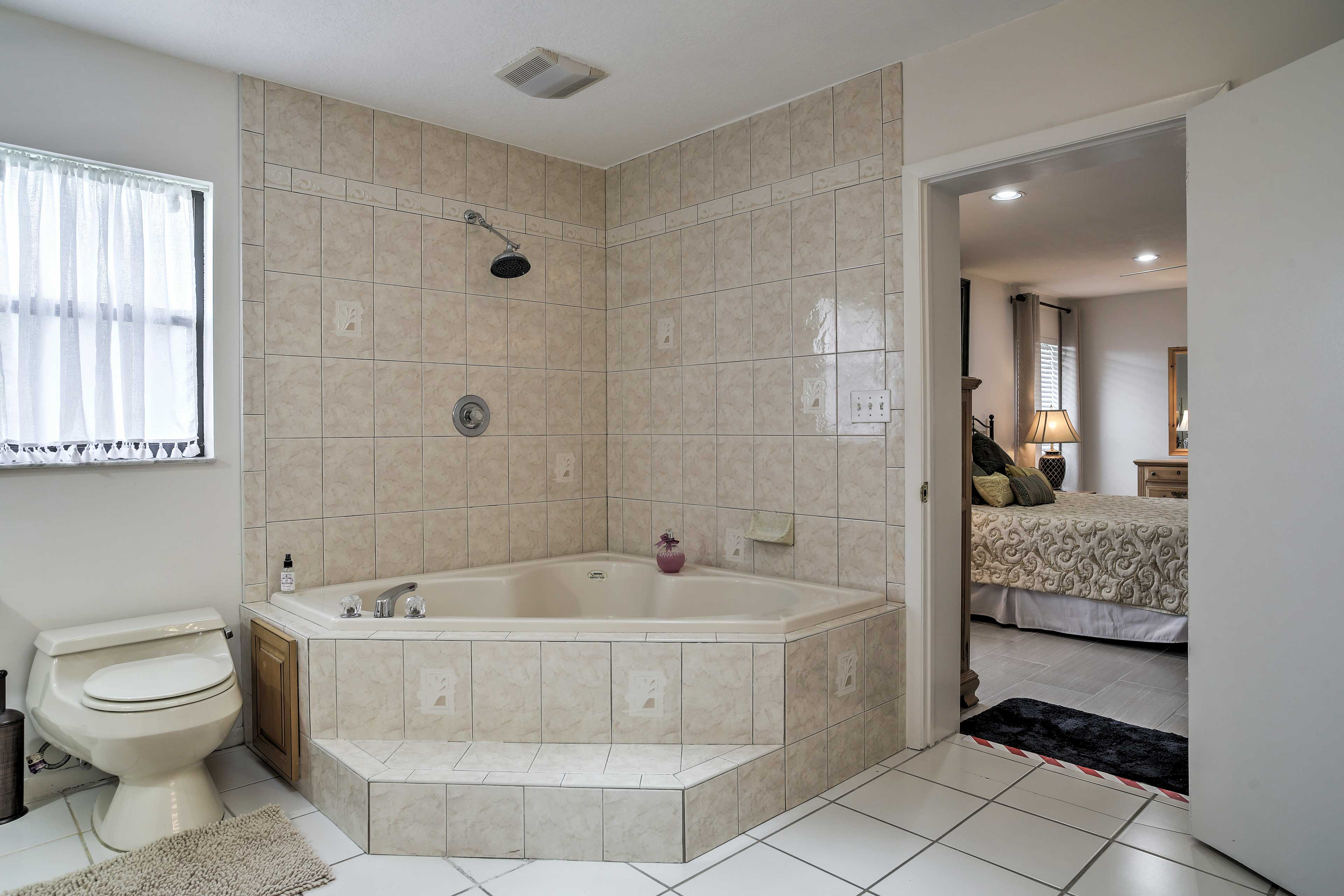 Soak in the jetted tub to unwind after the day.